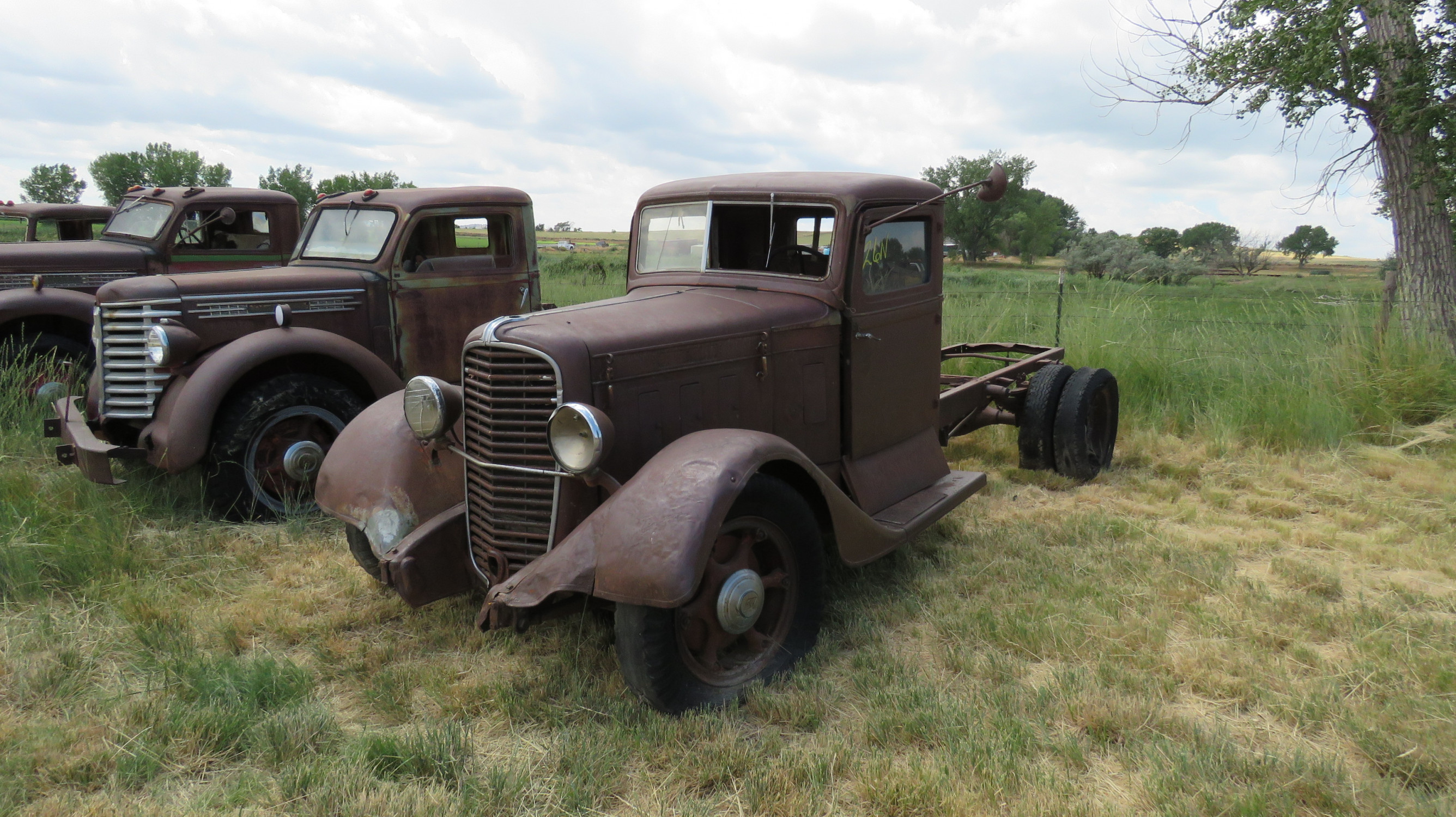 1933-35 DIAMOND T TRUCK FOR ROD OR RESTORE - Image 1