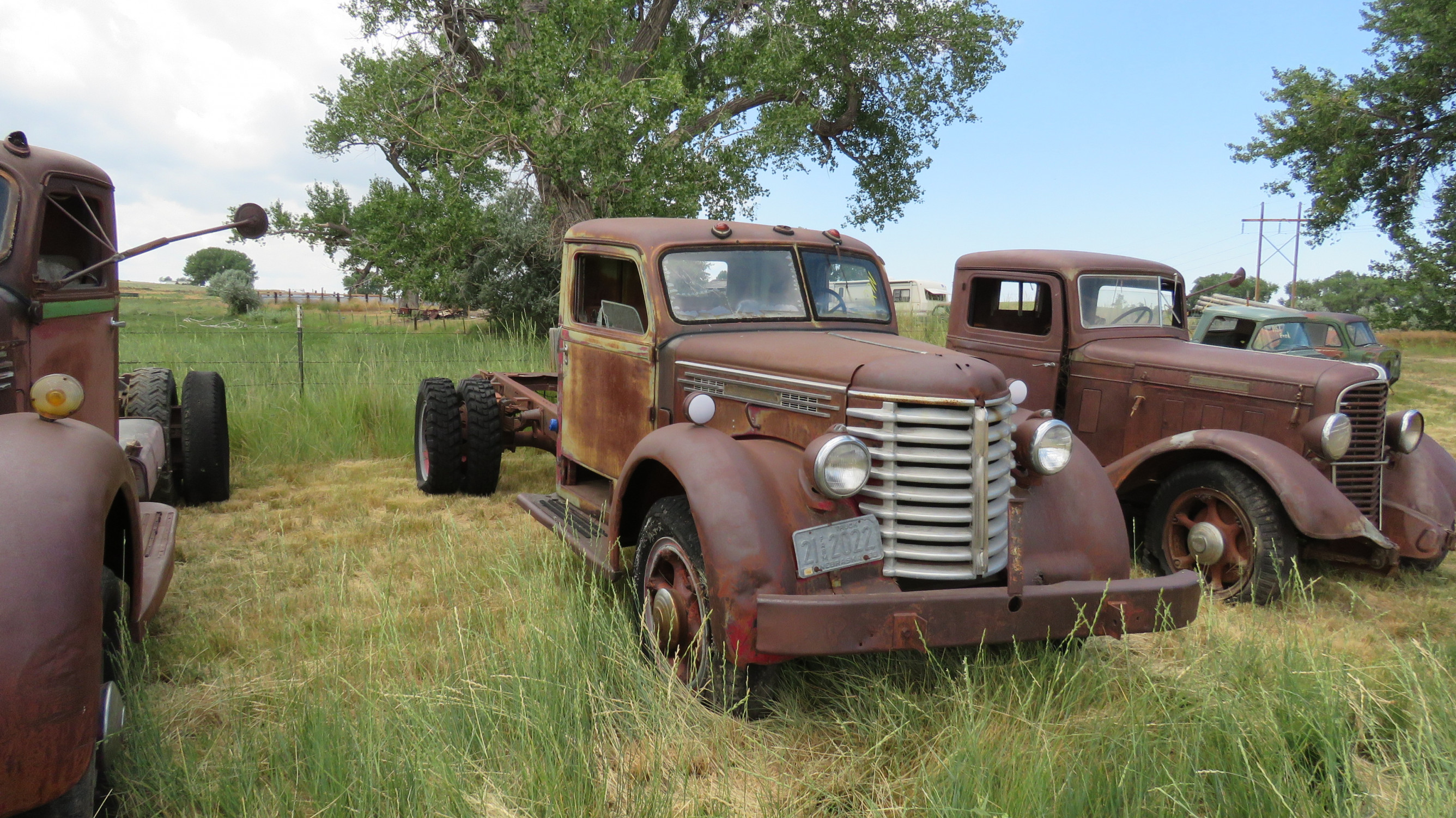 1939 DIAMOND T TRUCK FOR ROD OR RESTORE - Image 2