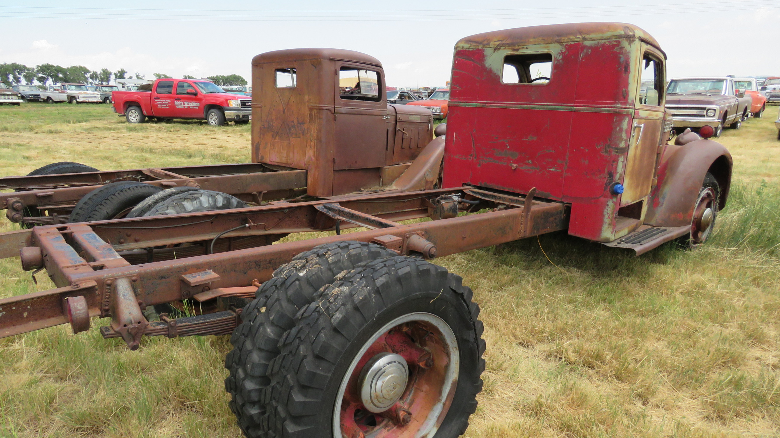 1939 DIAMOND T TRUCK FOR ROD OR RESTORE - Image 4