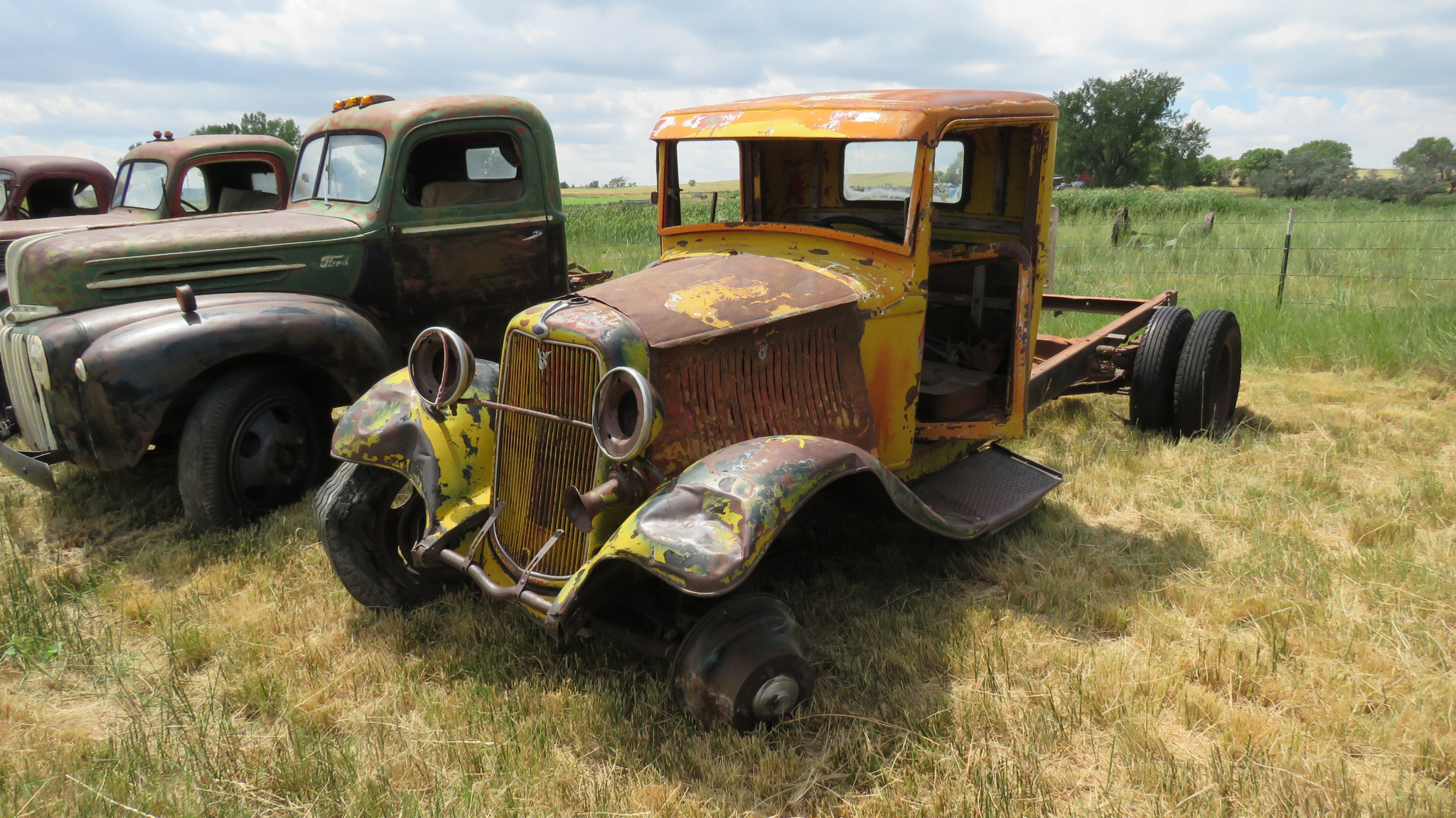1932 FORD TRUCK FOR ROD  OR RESTORE - Image 1