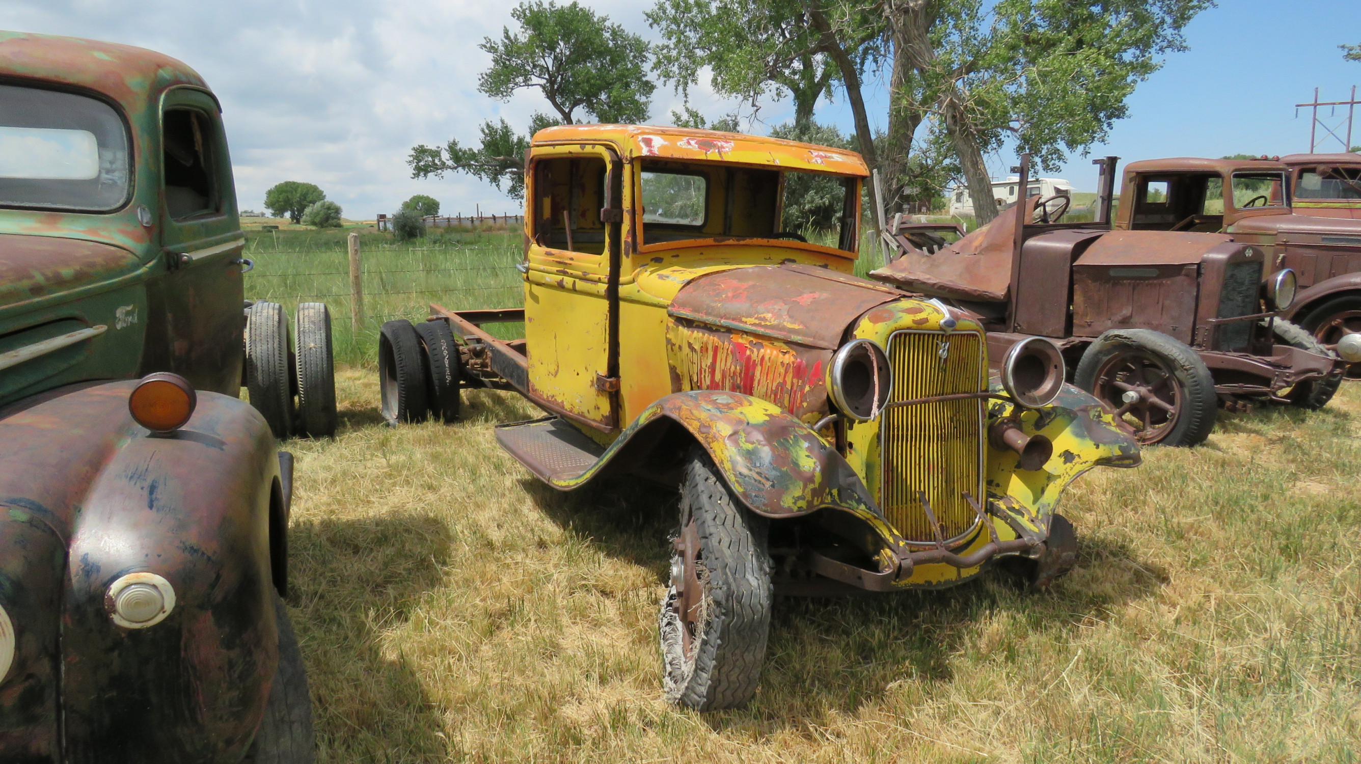 1932 FORD TRUCK FOR ROD  OR RESTORE - Image 2