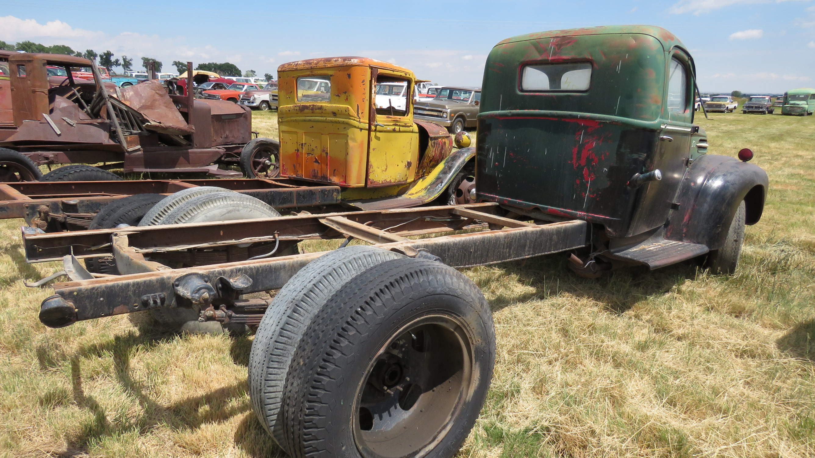 1941/2 FORD TRUCK FOR ROD OR RESTORE - Image 3