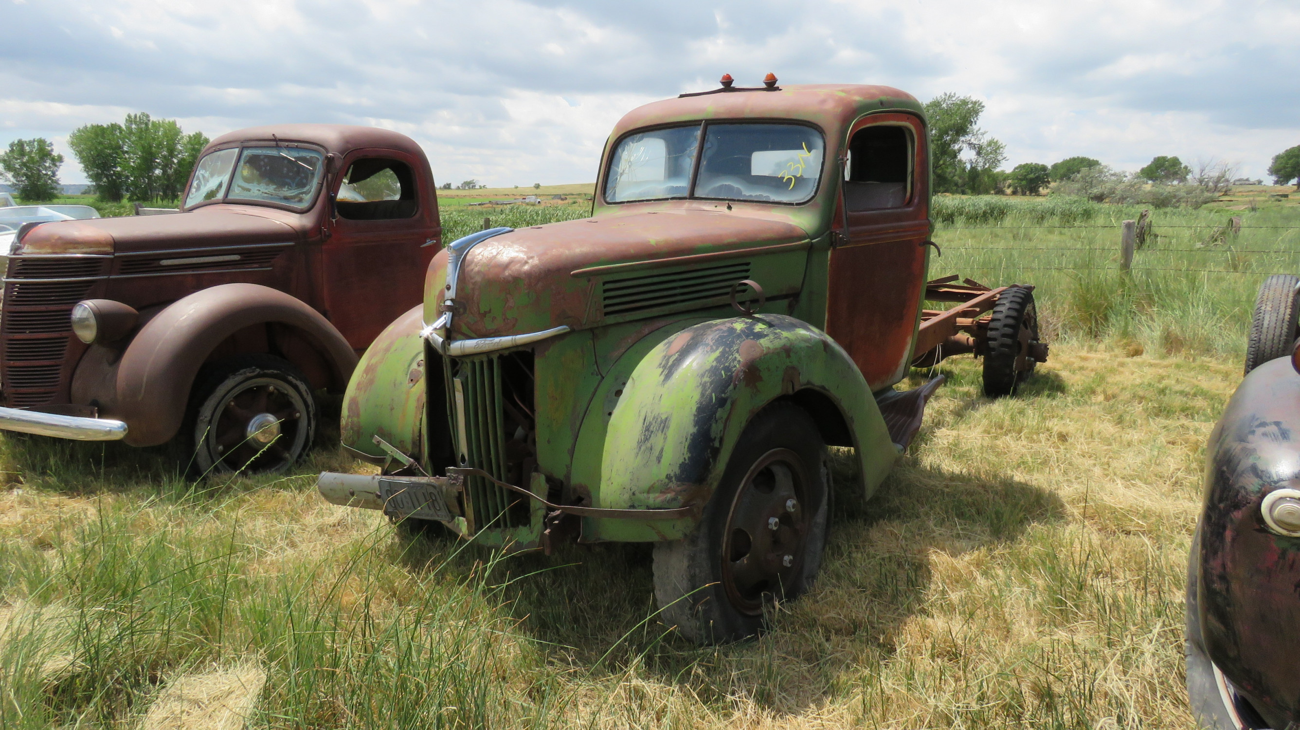 1940 FORD TRUCK FOR ROD OR RESTORE - Image 1
