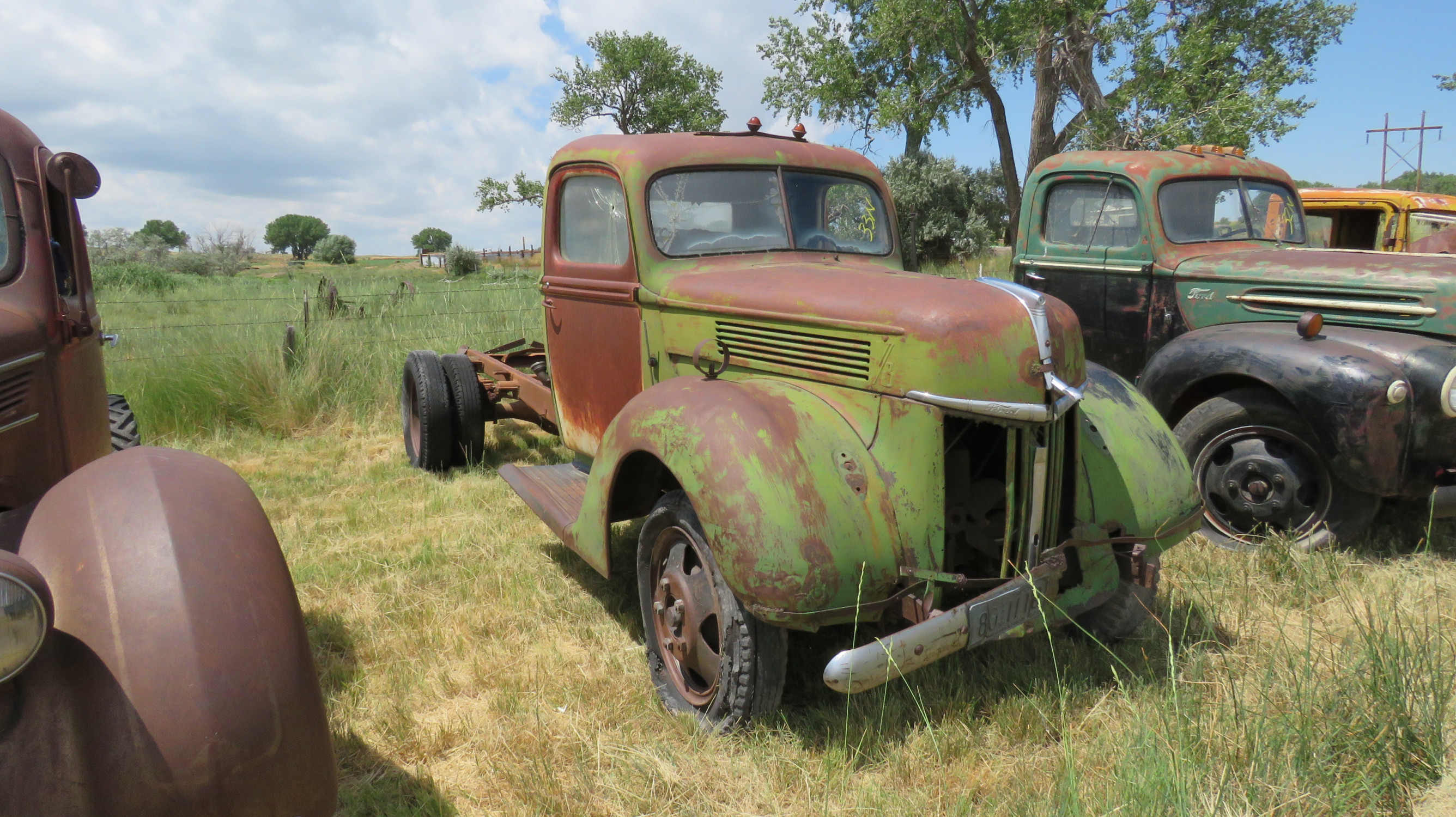 1940 FORD TRUCK FOR ROD OR RESTORE - Image 2
