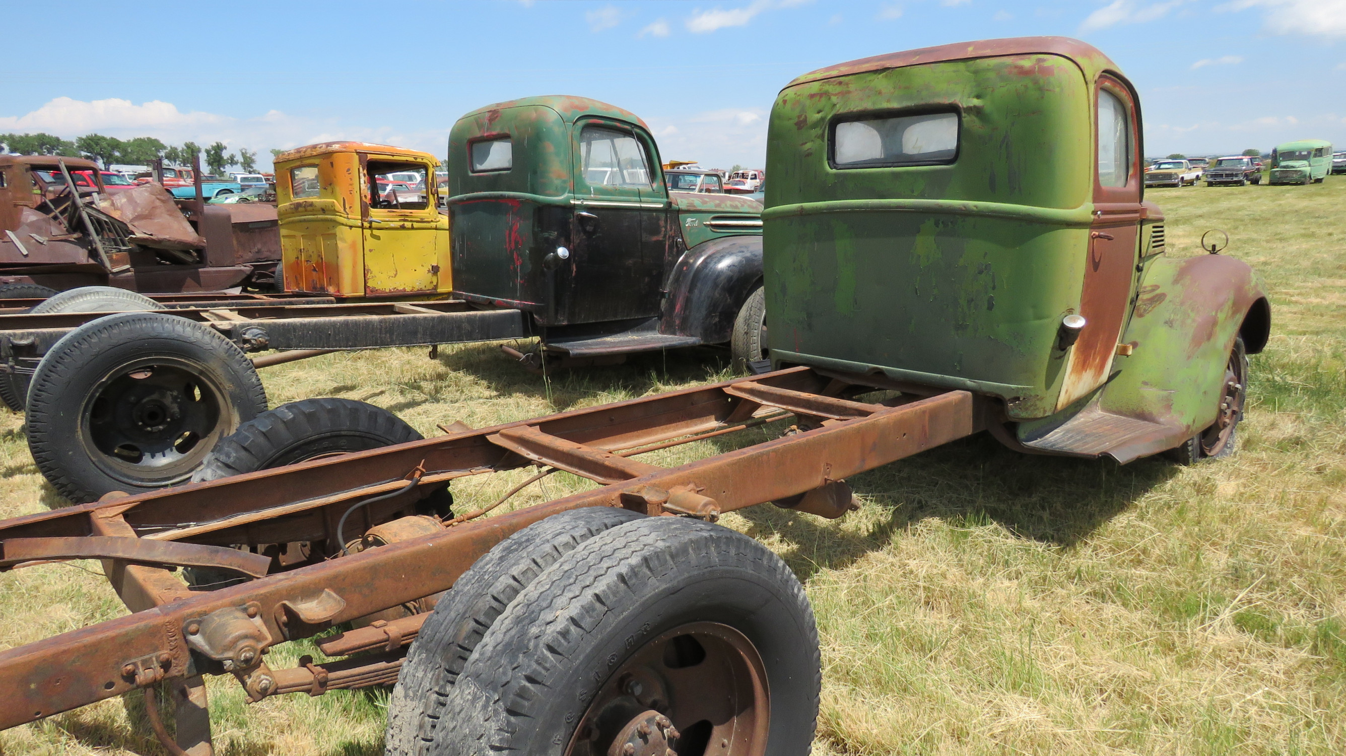 1940 FORD TRUCK FOR ROD OR RESTORE - Image 3
