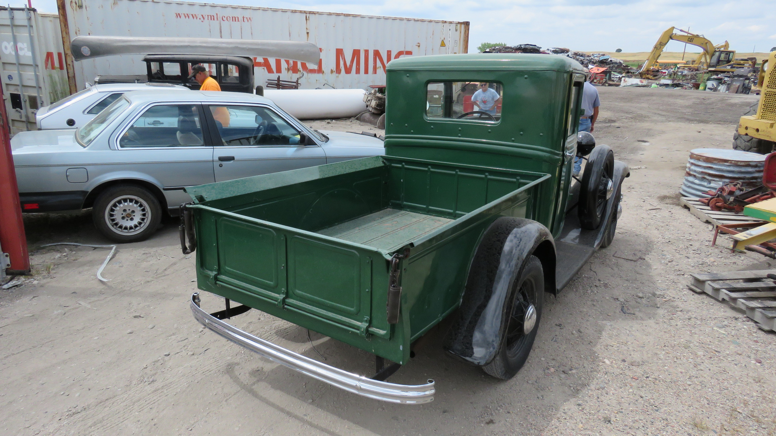 1932 Ford Pickup - Image 3