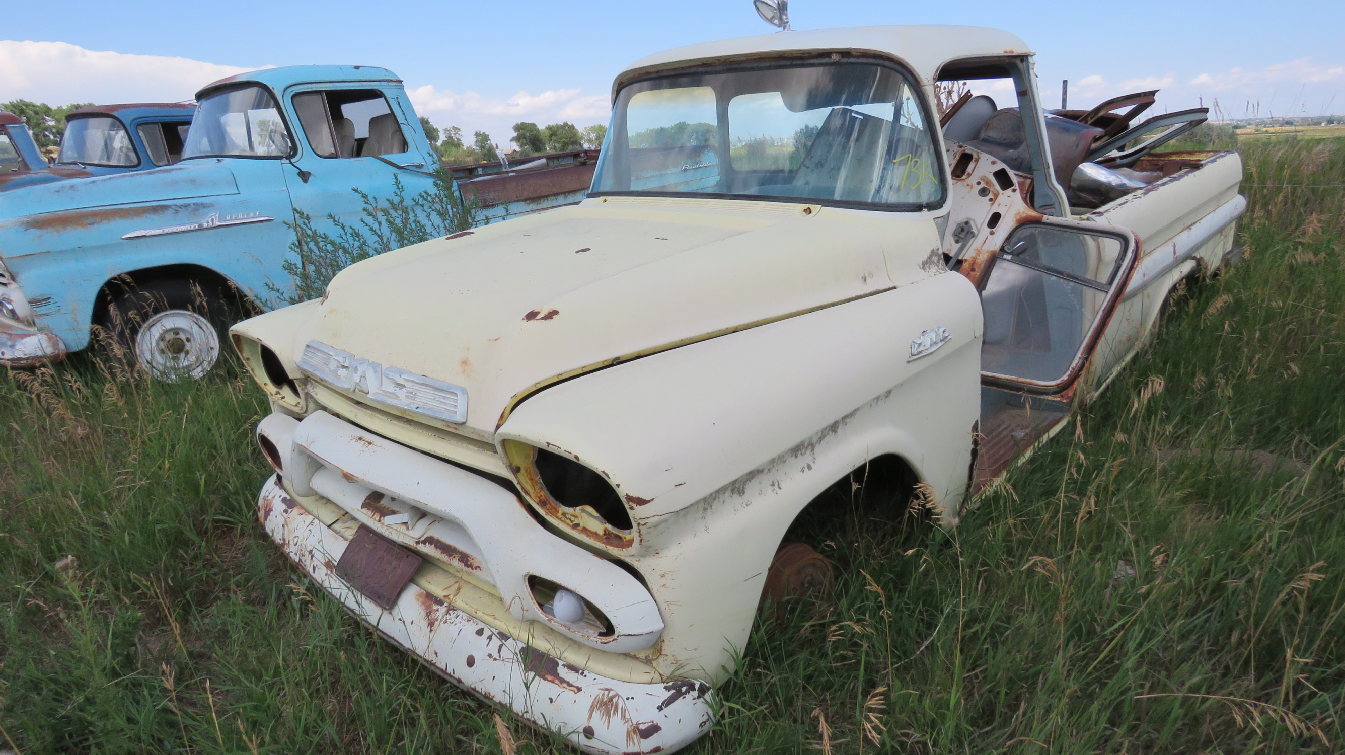 1955 GMC FLEETSIDE PICKUP FOR PARTS OR PROJECT - Image 1