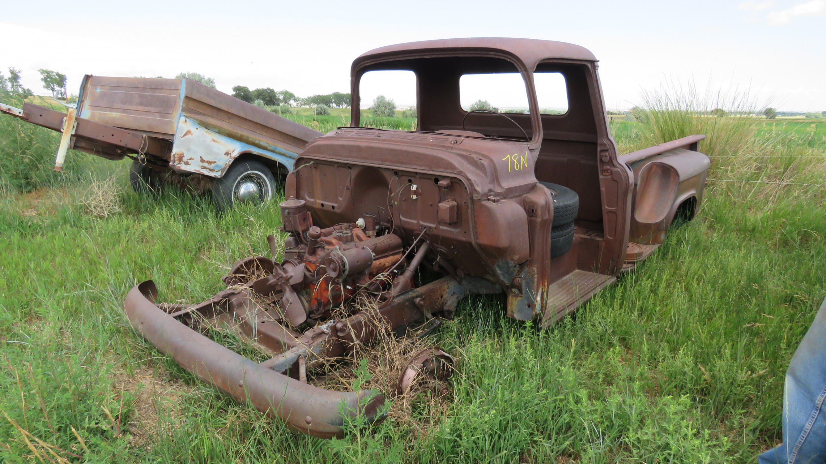 1955 CHEVROLET PICKUP FOR PARTS - Image 1