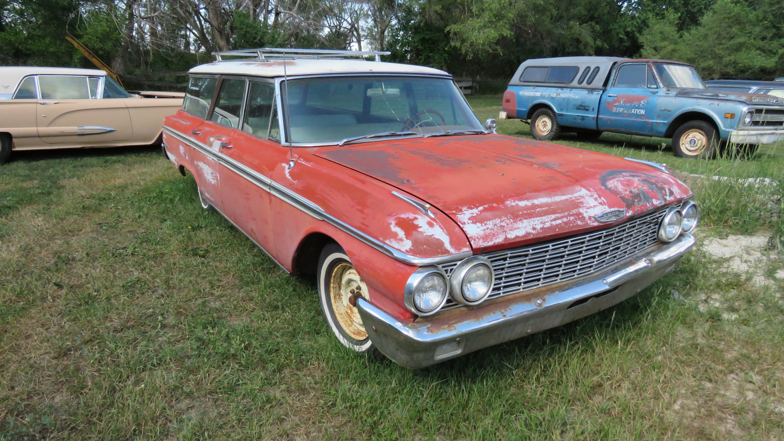 1962 Ford Country Sedan 4dr Wagon - Image 3