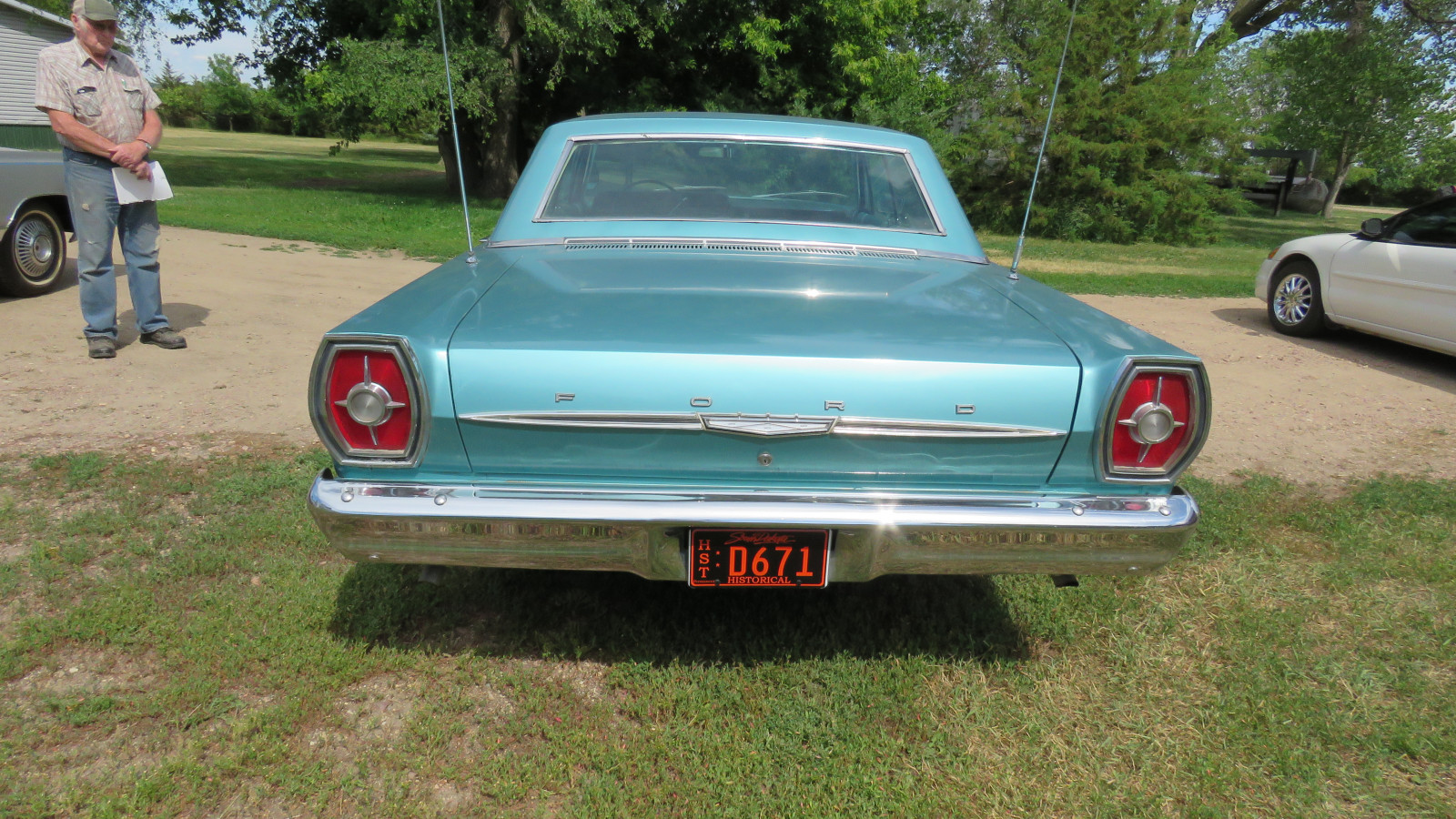 1965 Ford Galaxie 500 4dr HT - Image 5