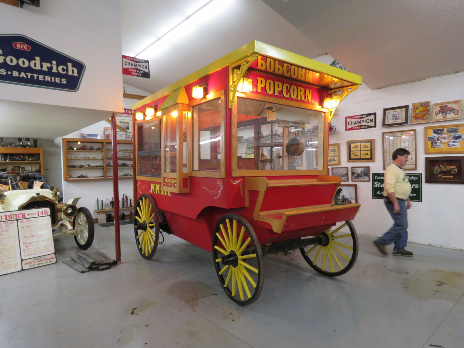 Restored Horse Drawn Popcorn Wagon - Image 1