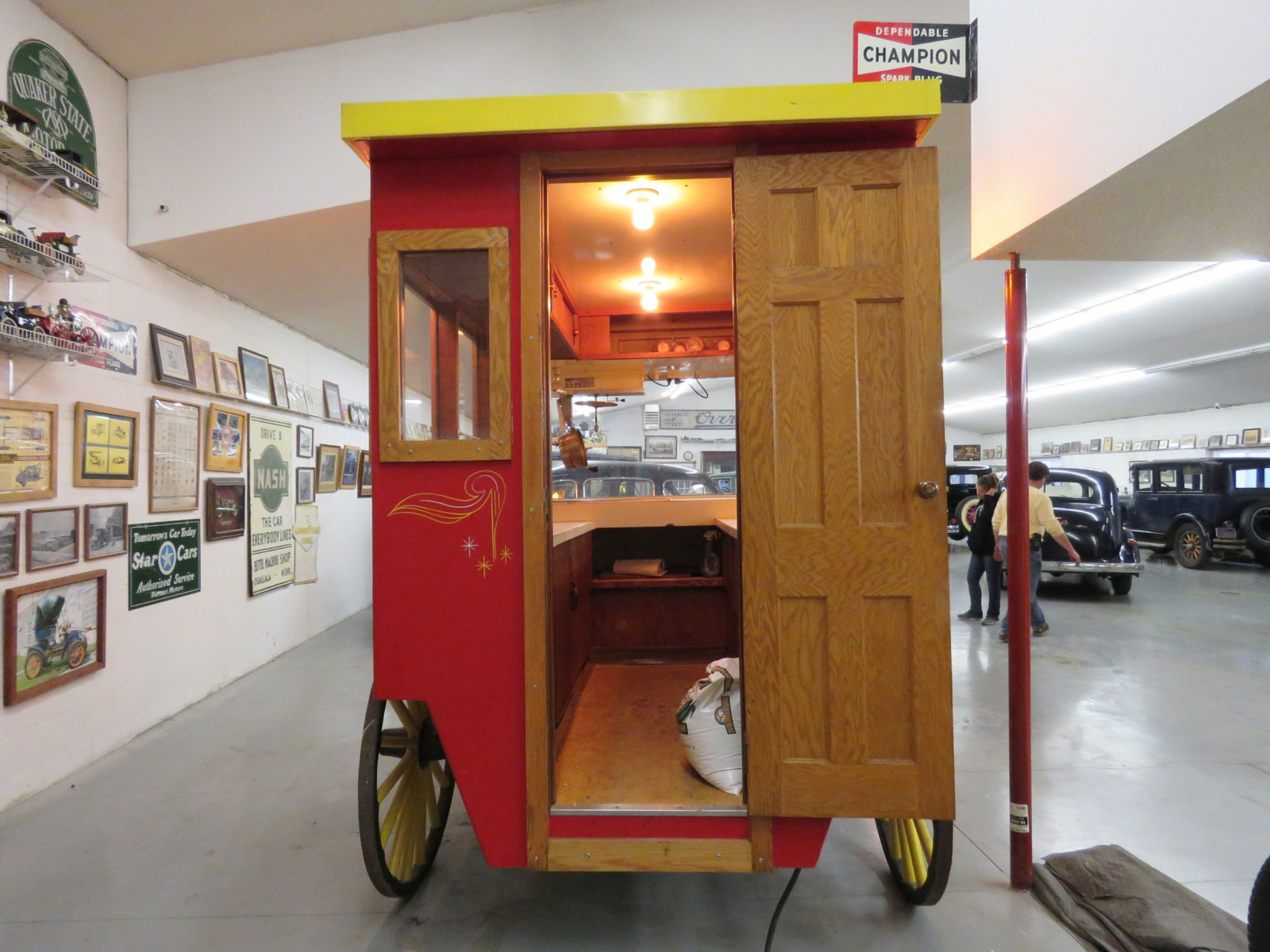 Restored Horse Drawn Popcorn Wagon - Image 5