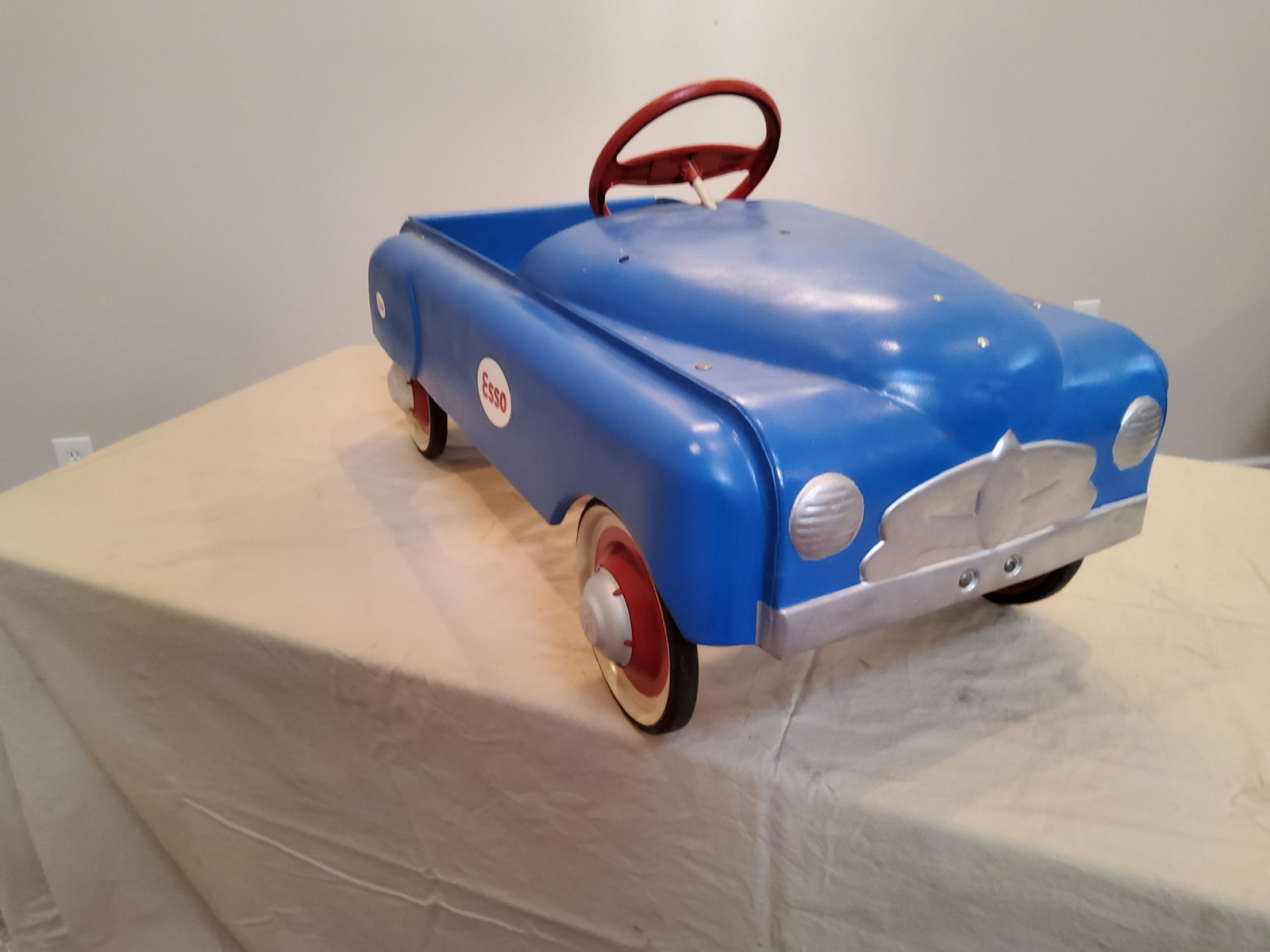 1950 BMC Smooth Side ESSO theme Pedal Car - Image 4