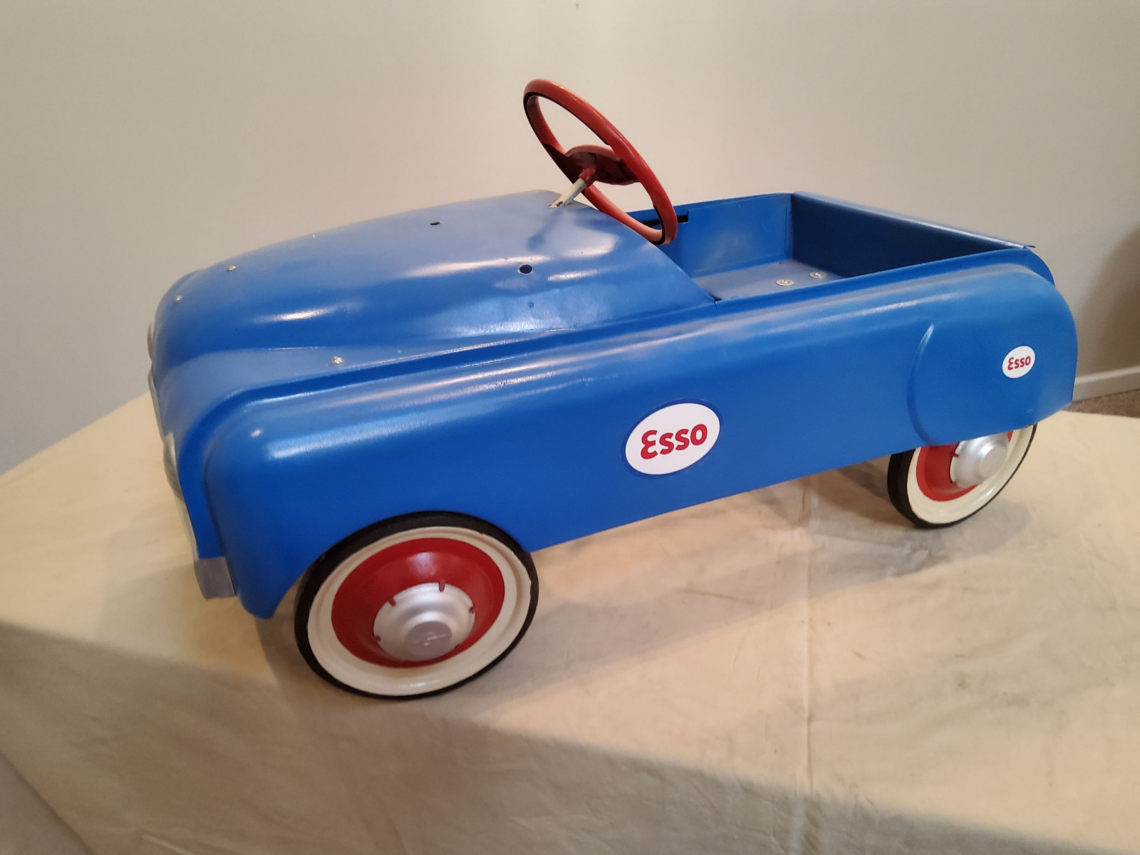 1950 BMC Smooth Side ESSO theme Pedal Car - Image 5