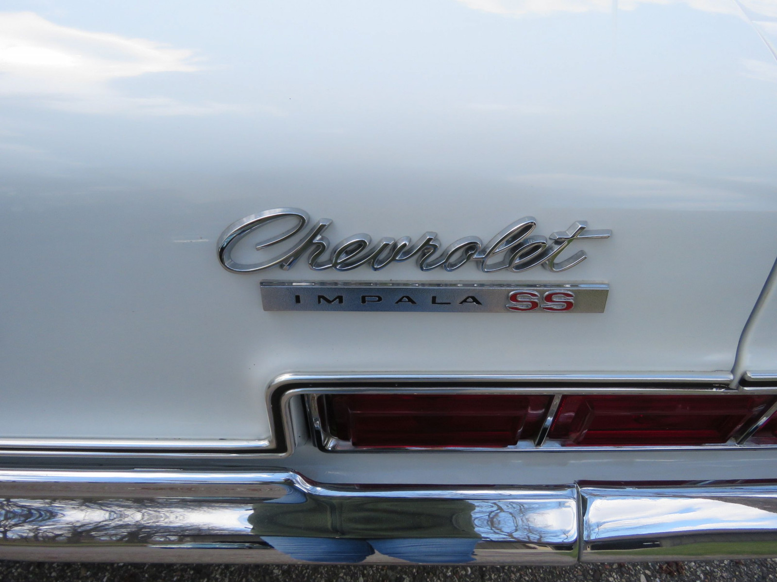 1966 Chevrolet Impala SS Convertible - Image 9