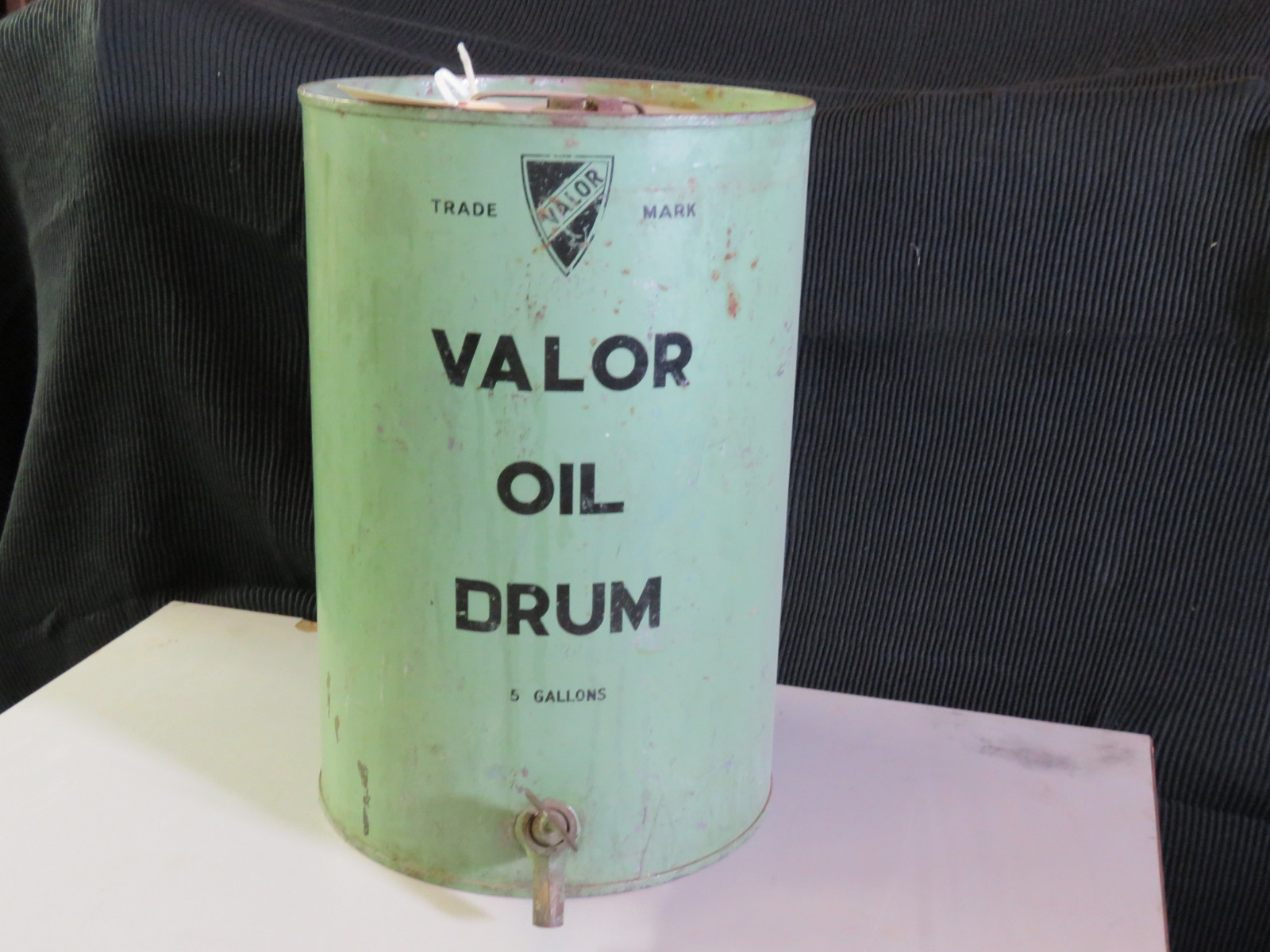 Valor 5 gallon Oil Can - Image 1