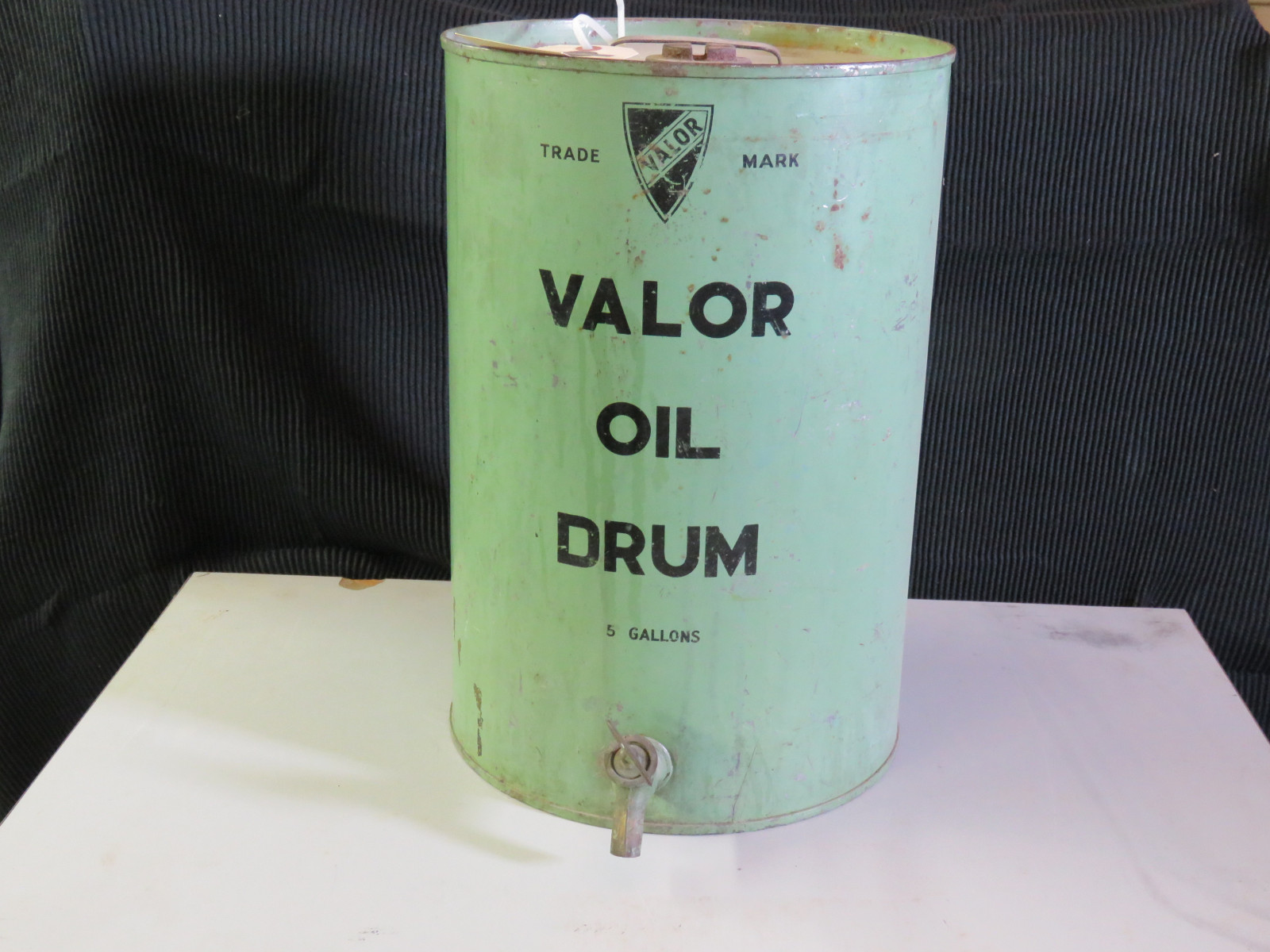 Valor 5 gallon Oil Can - Image 2