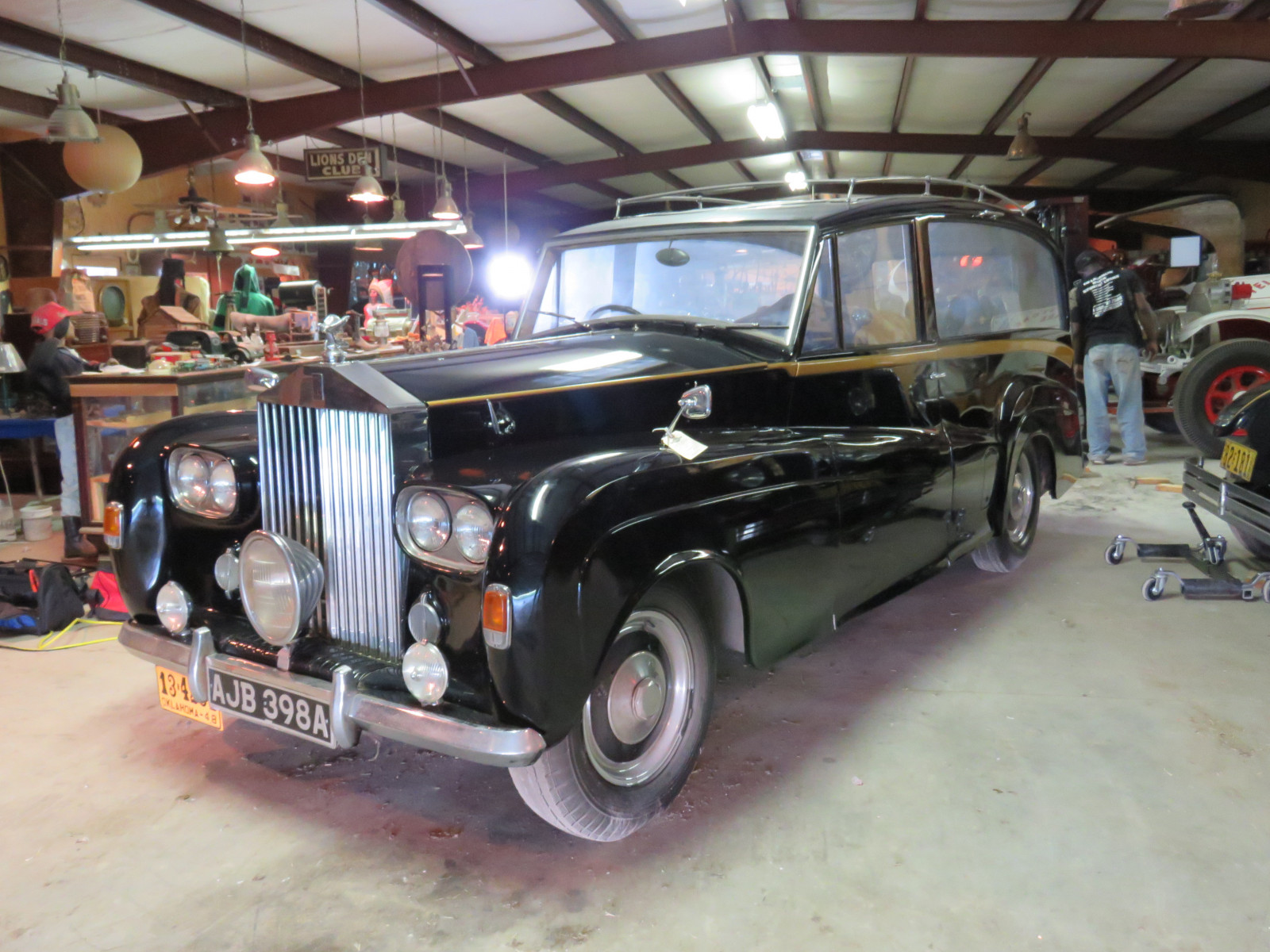 1948 Rolls Royce Silver Wraith Hearse - Image 1