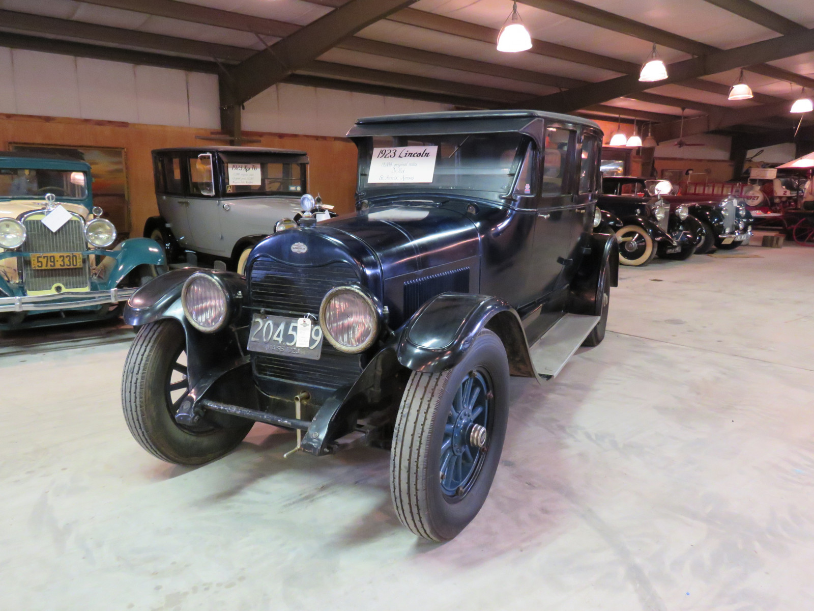 1923 Lincoln Model L 4dr Sedan - Image 1