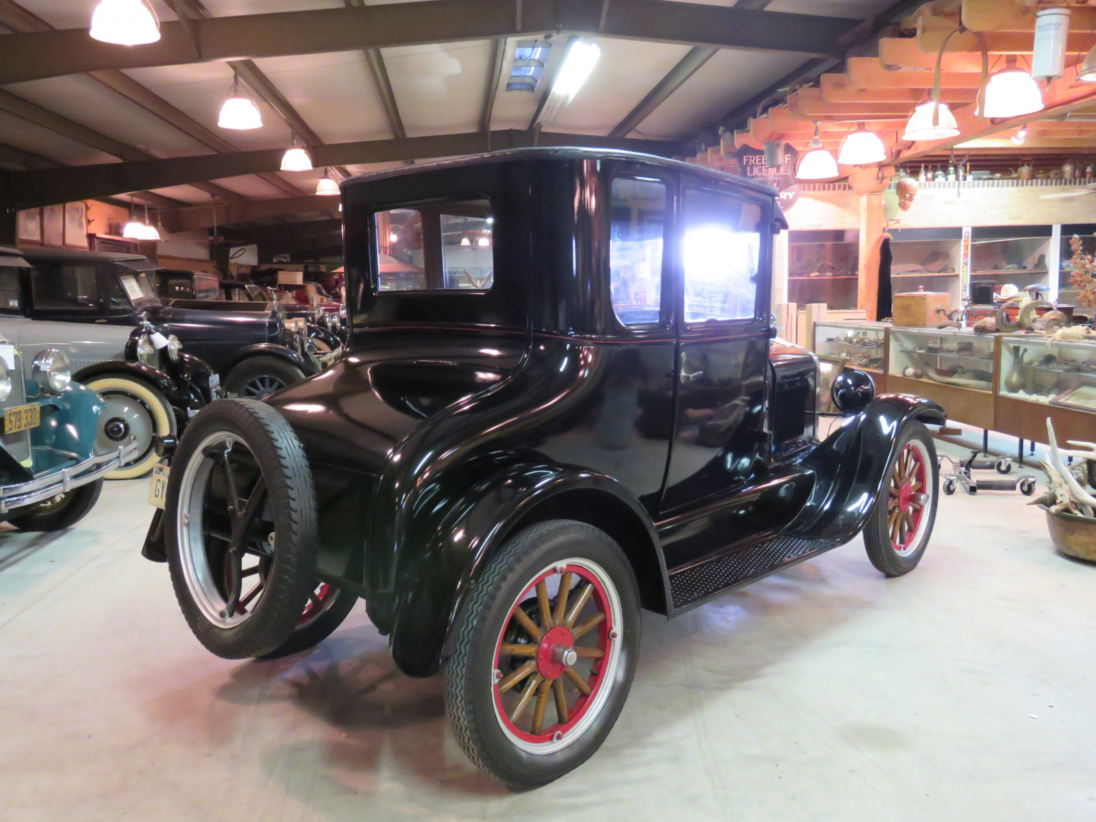 1926 Ford Model T Doctor's Coupe - Image 4