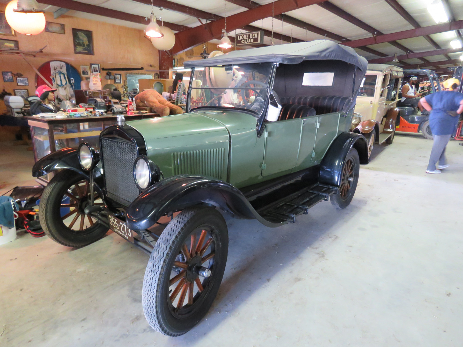 1926 Ford Model T Touring Car - Image 3