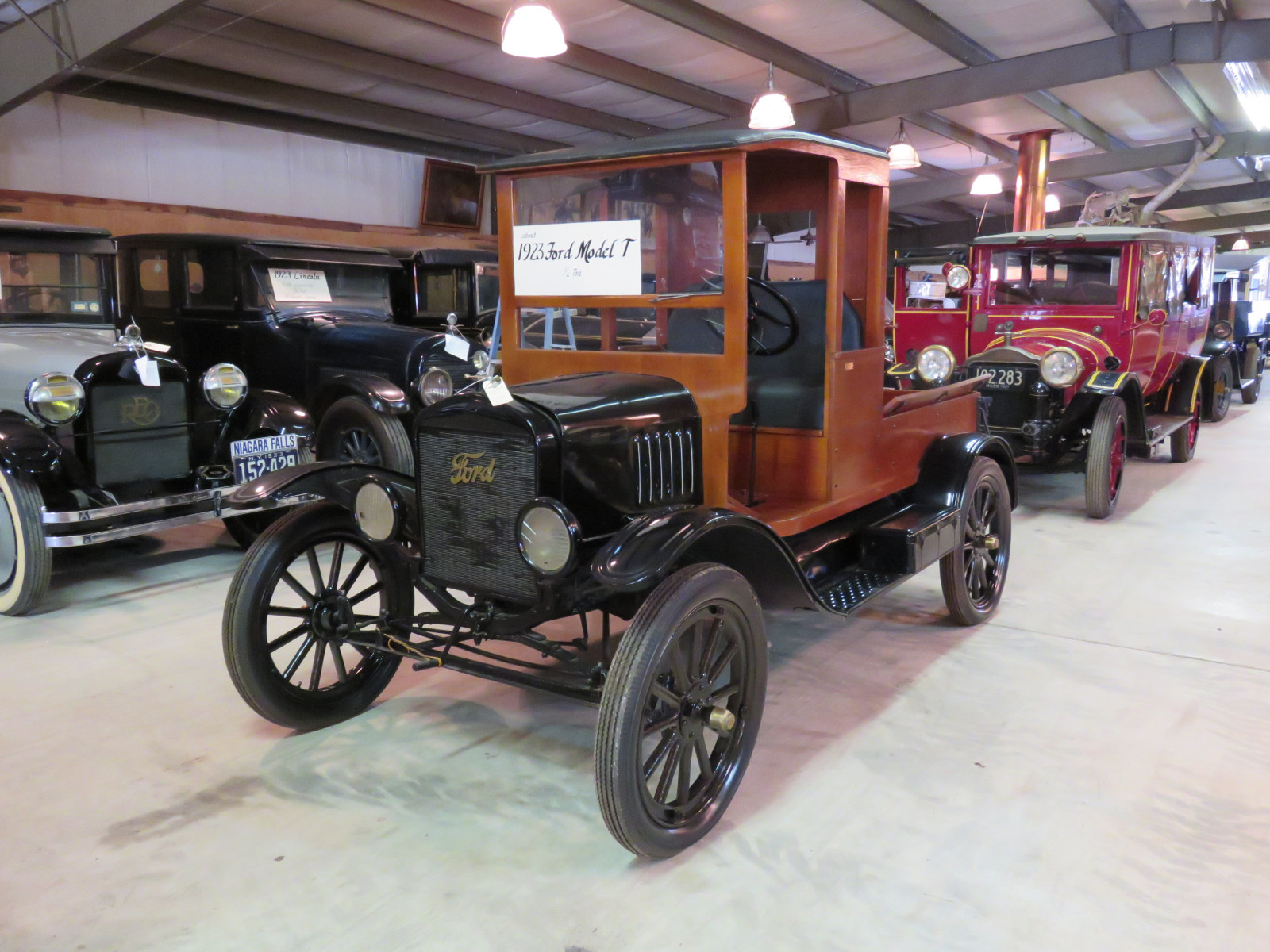 1923 Ford Model T Truck with Body - Image 1