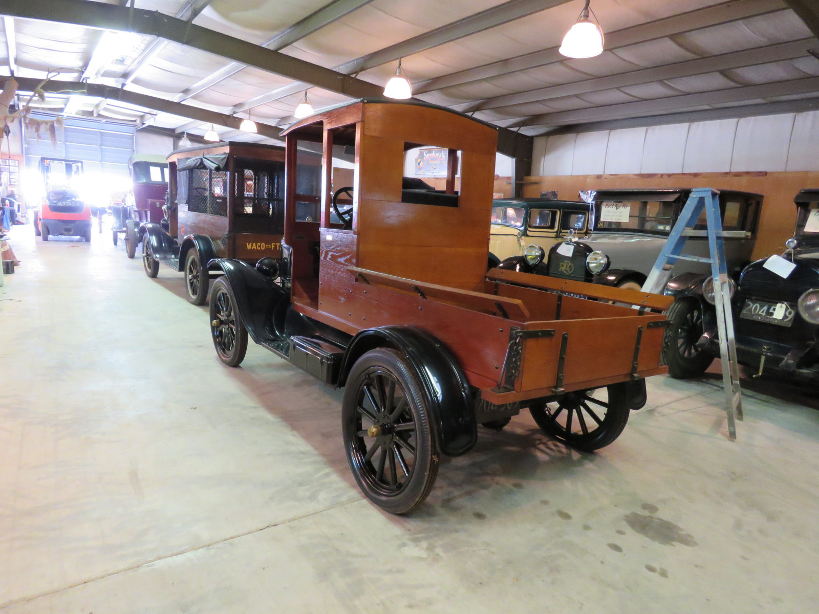 1923 Ford Model T Truck with Body - Image 6