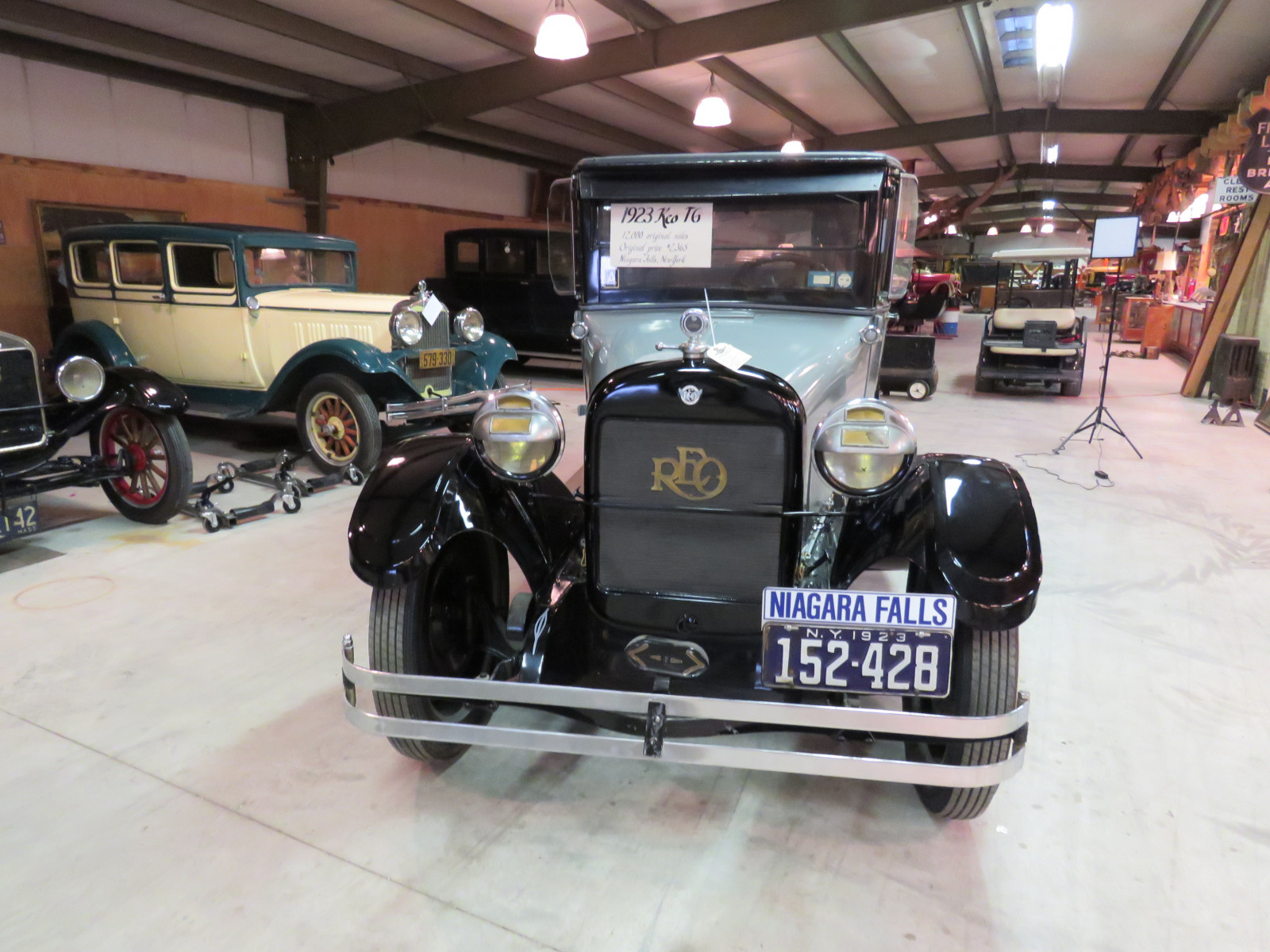 1923 REO Model T6 4dr Sedan - Image 2