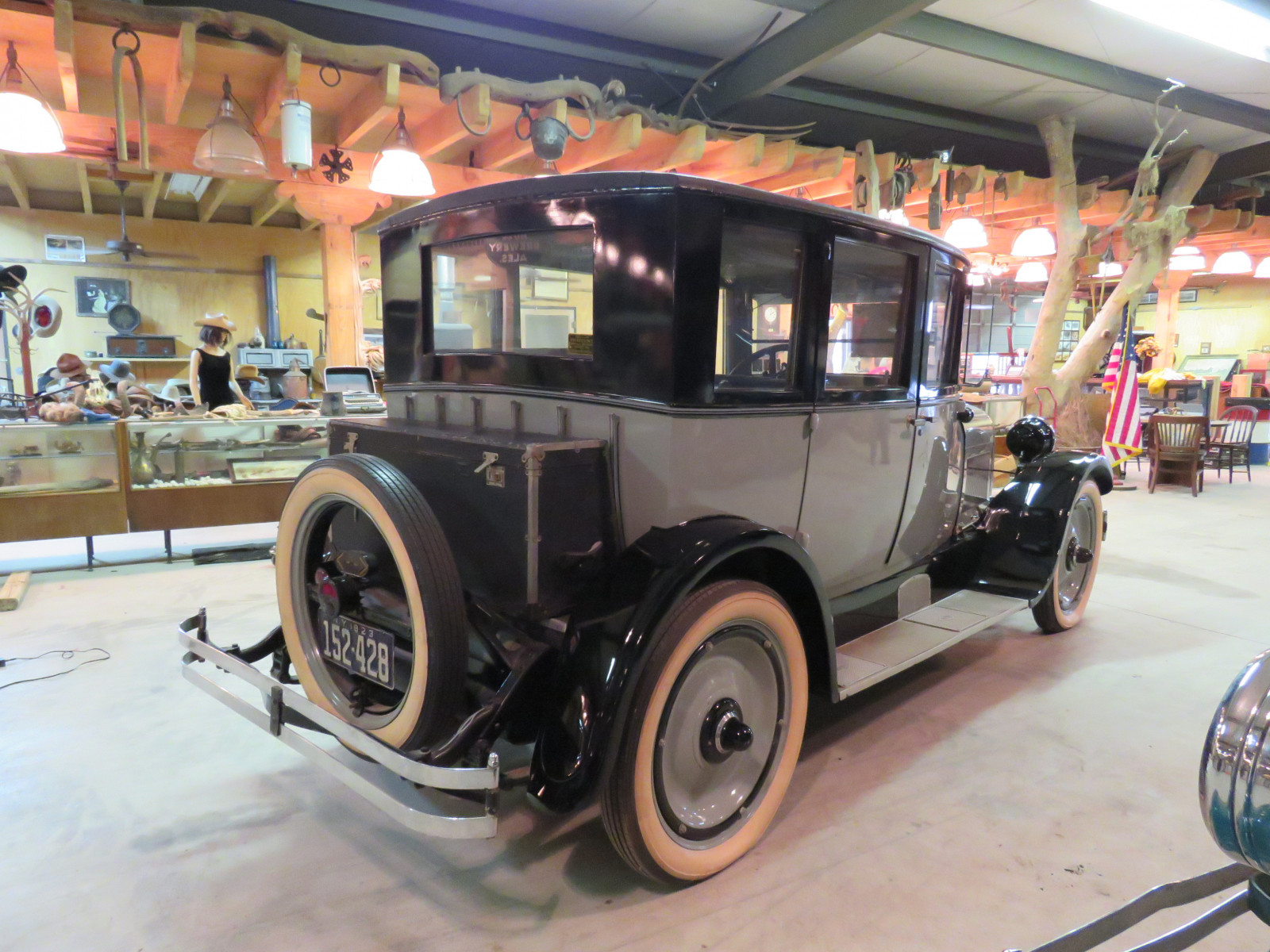 1923 REO Model T6 4dr Sedan - Image 7