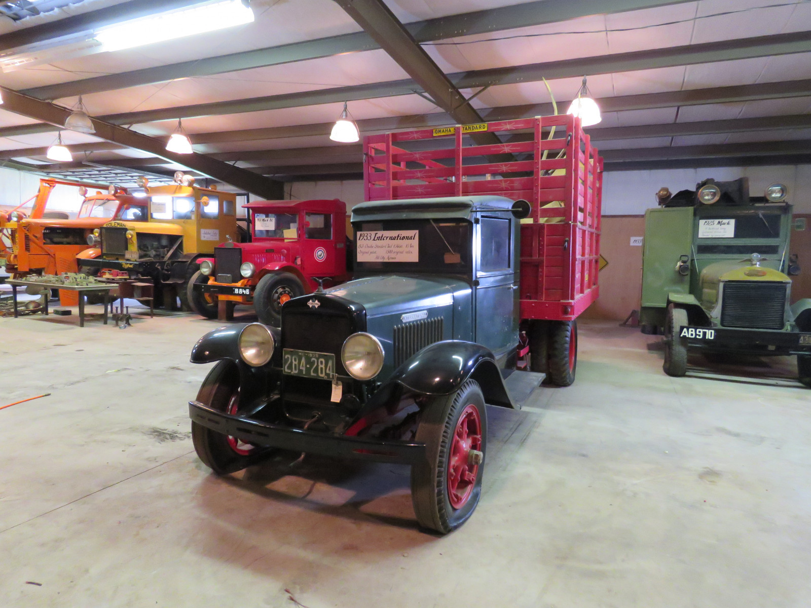 1933 International B-3 1 1/2 Ton Cattle Truck - Image 1