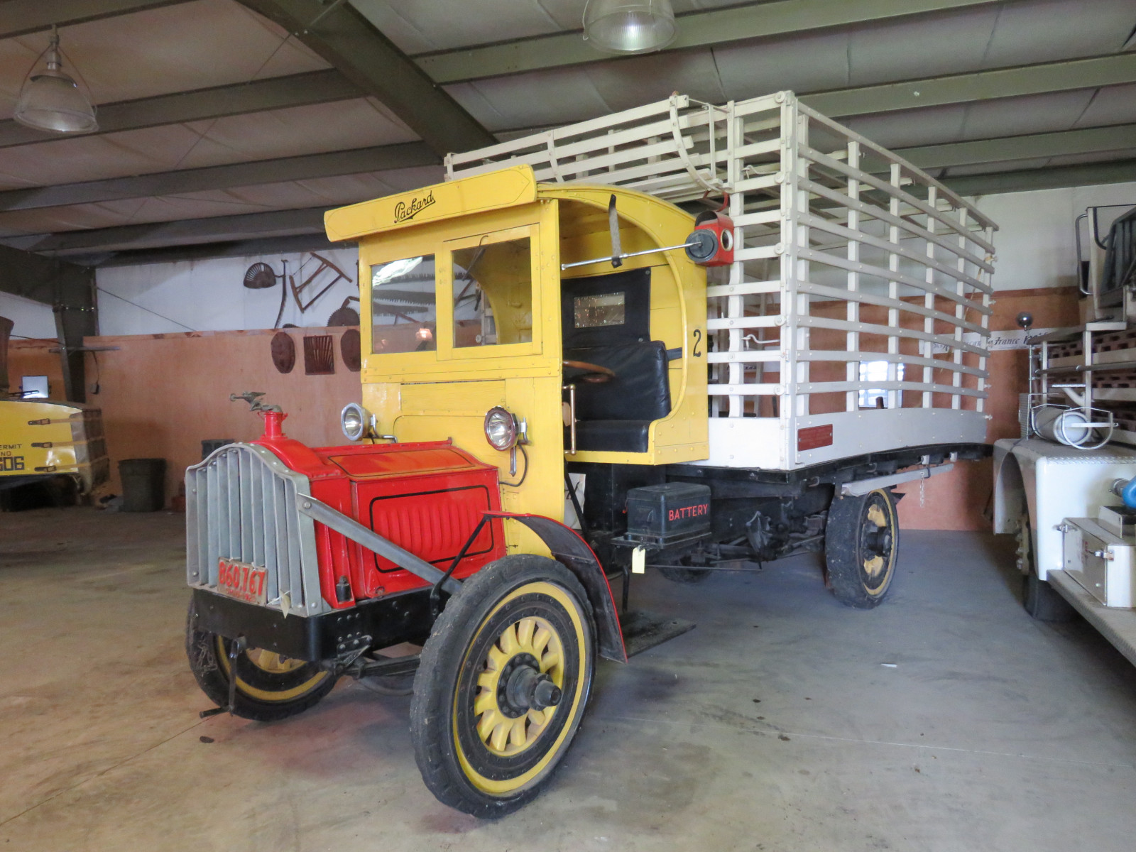 1923 Packard 2 ton Truck - Image 2