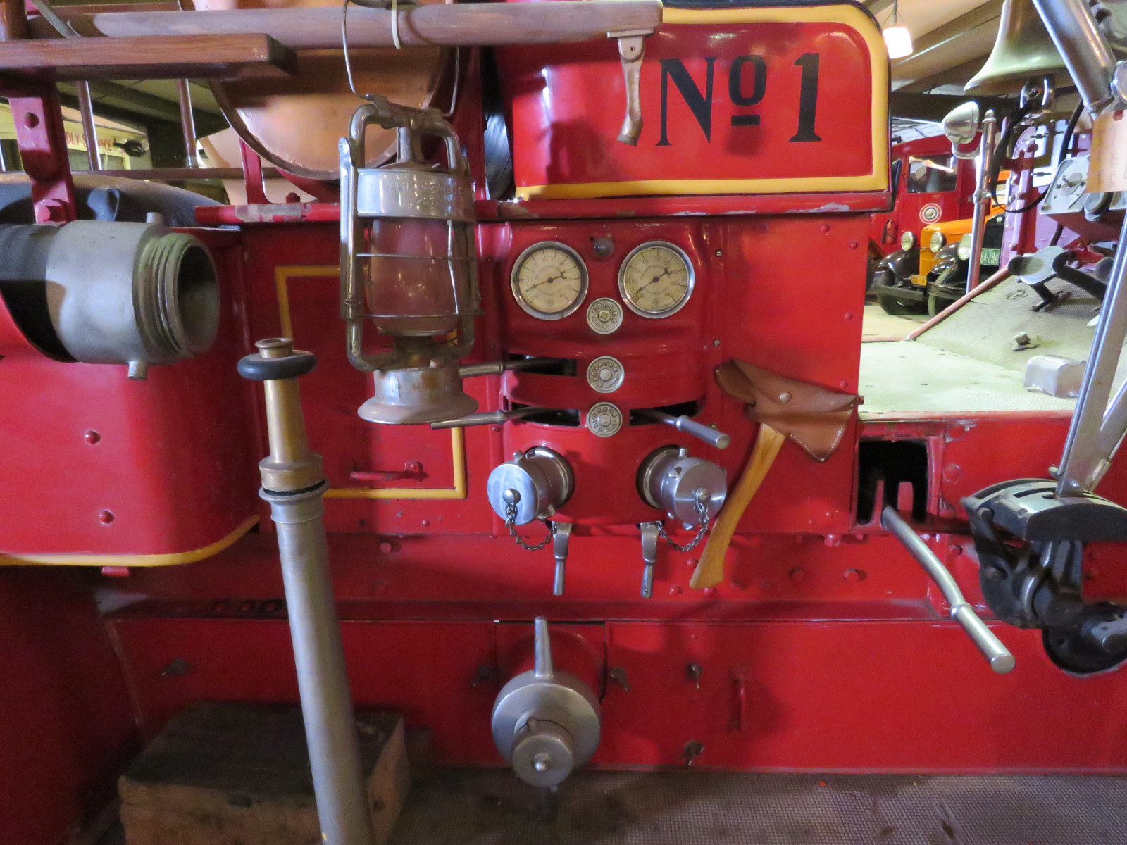 1915 Seagraves Fire Truck - Image 11