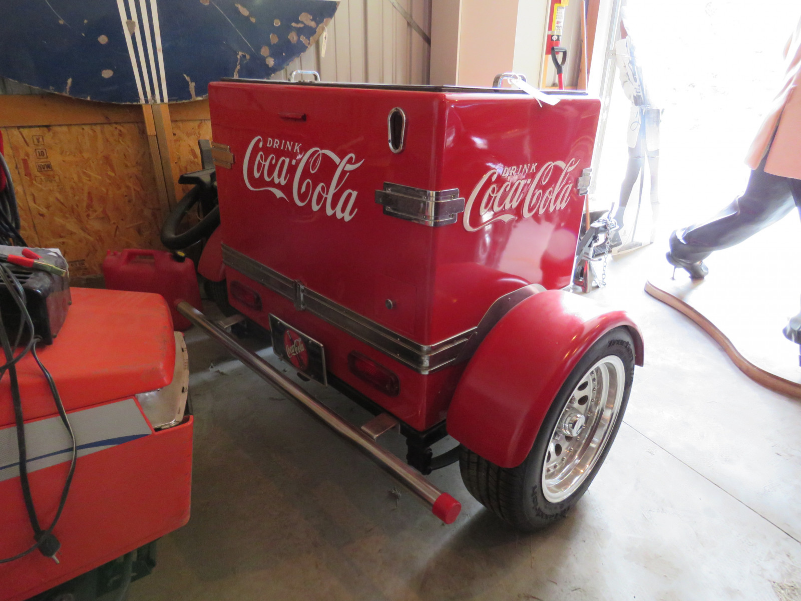 Coca Cola Cooler Trailer - Image 2