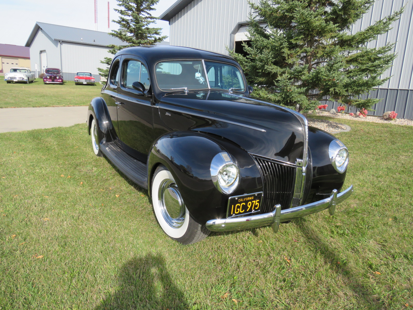 Beautiful 1940 Ford Coupe - Image 4