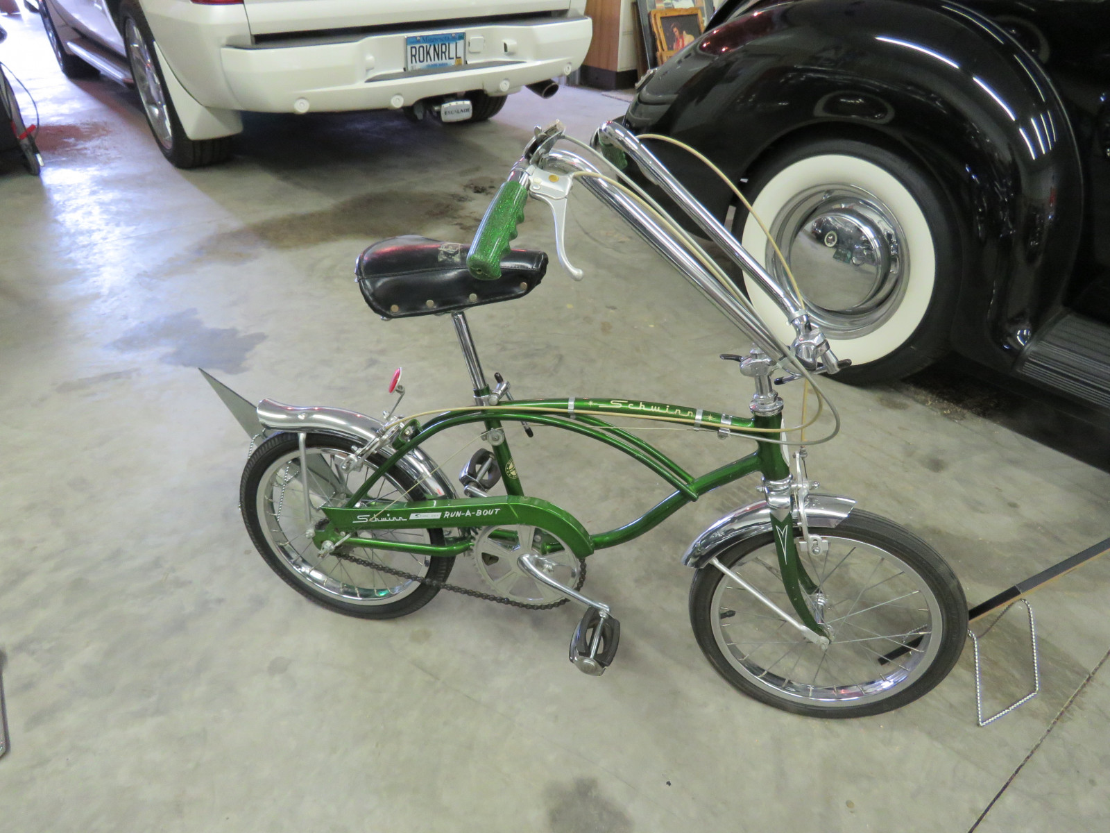1968 Schwinn Sting Ray Bicycle - Image 4