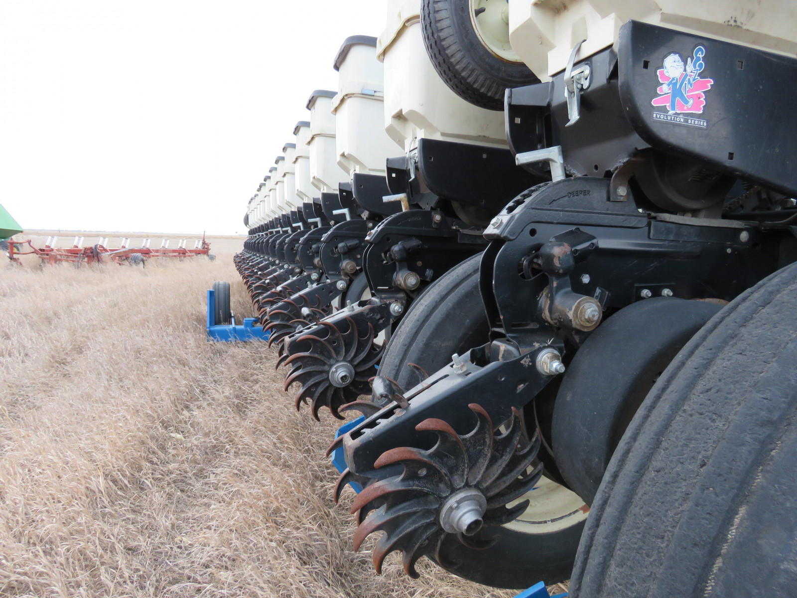 2004 Kinze 3600 16 Row Planter - Image 4