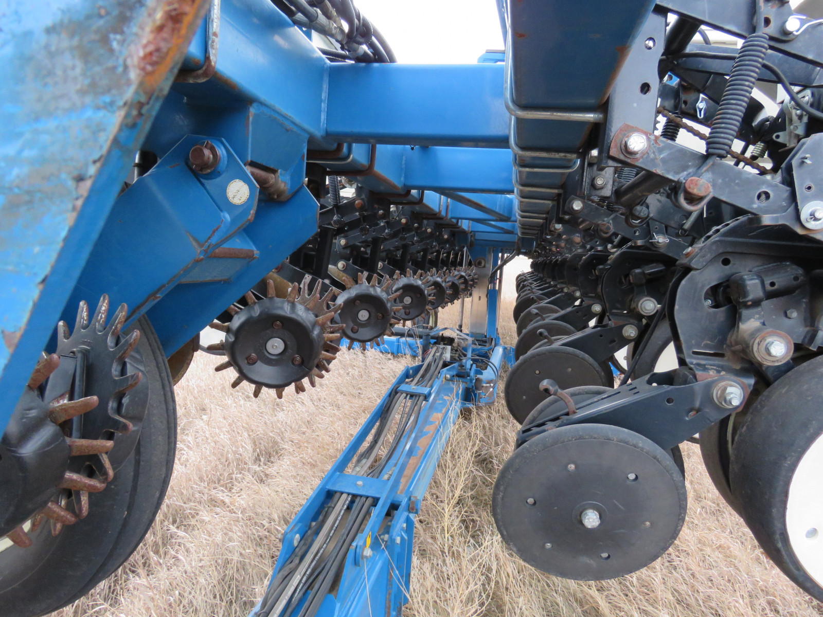 2004 Kinze 3600 16 Row Planter - Image 5