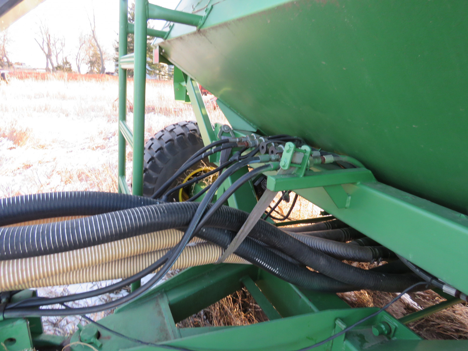 John Deere Air Seeder - Image 4