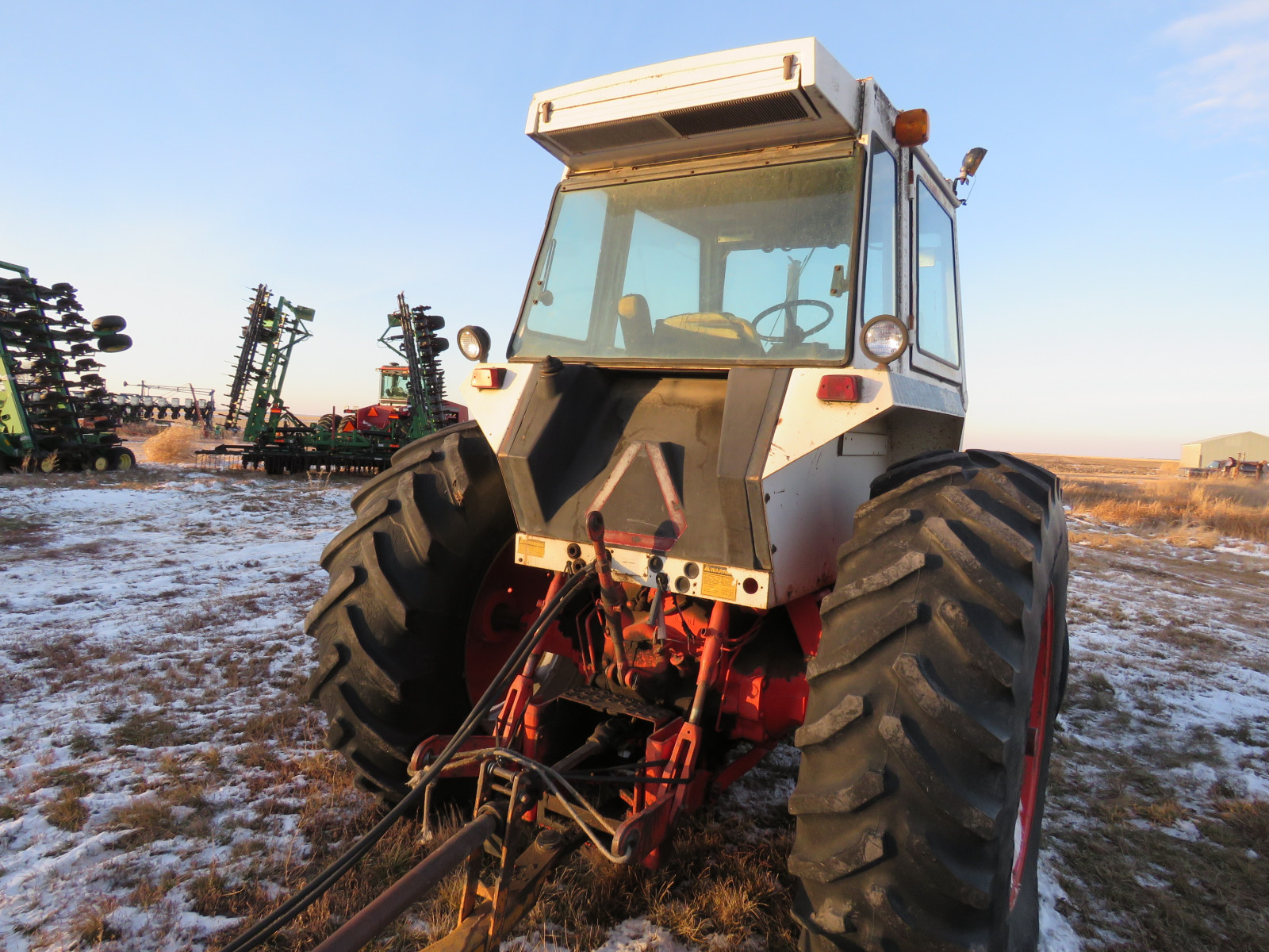 Case 2090 Tractor - Image 4