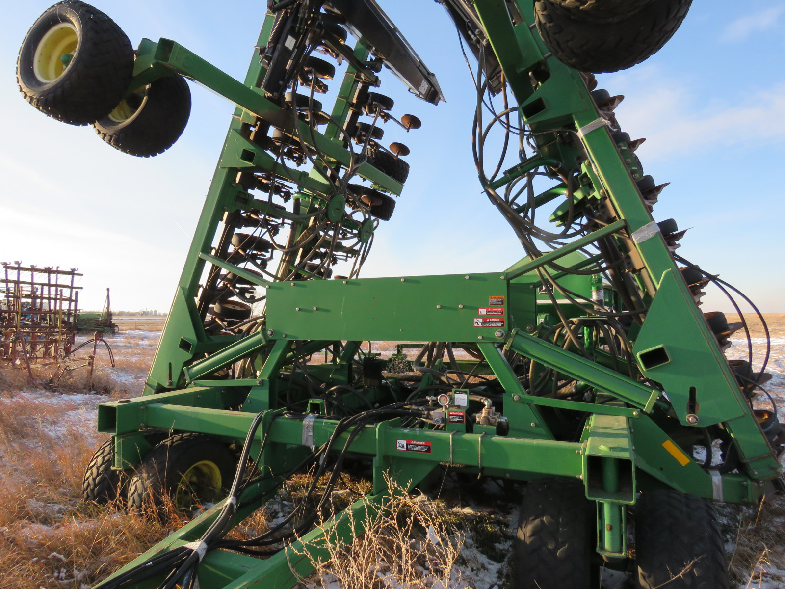Contract For Selling A Car >> Lot 9R – John Deere Air Seeder | VanderBrink Auctions