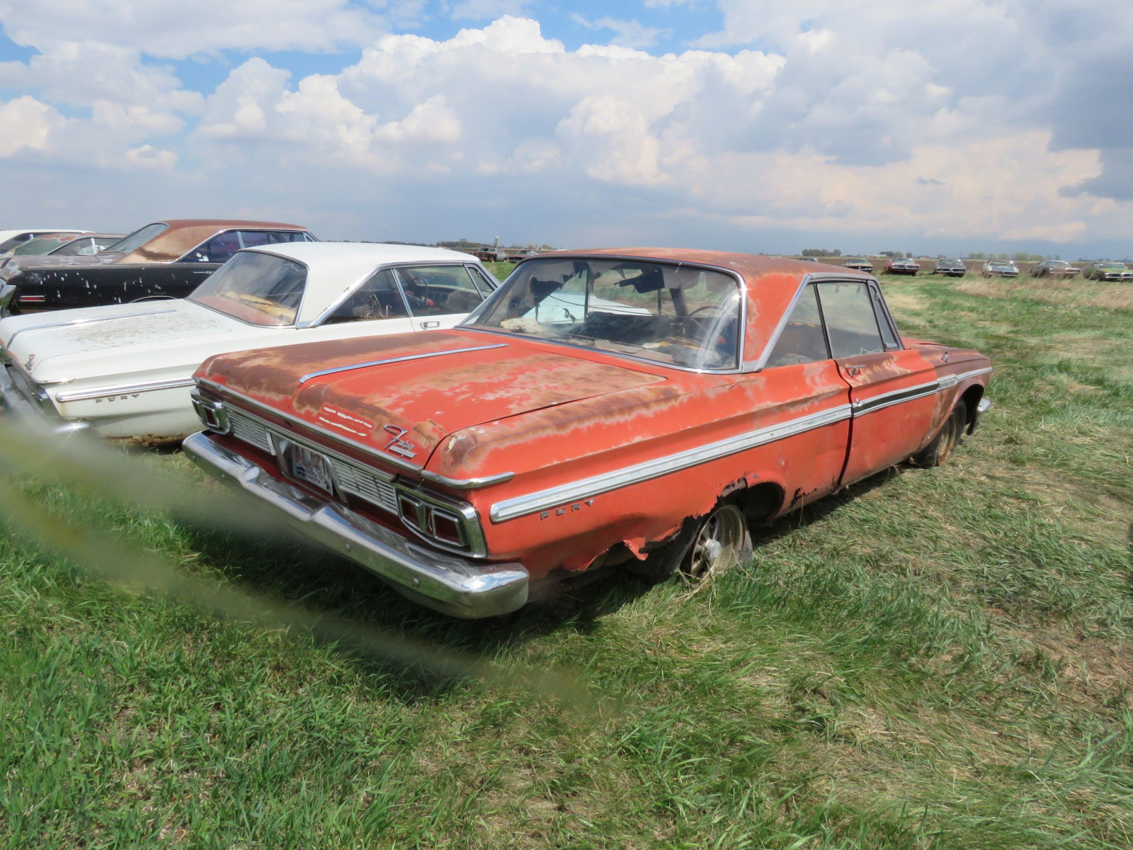 Plymouth Fury 2dr HT - Image 3