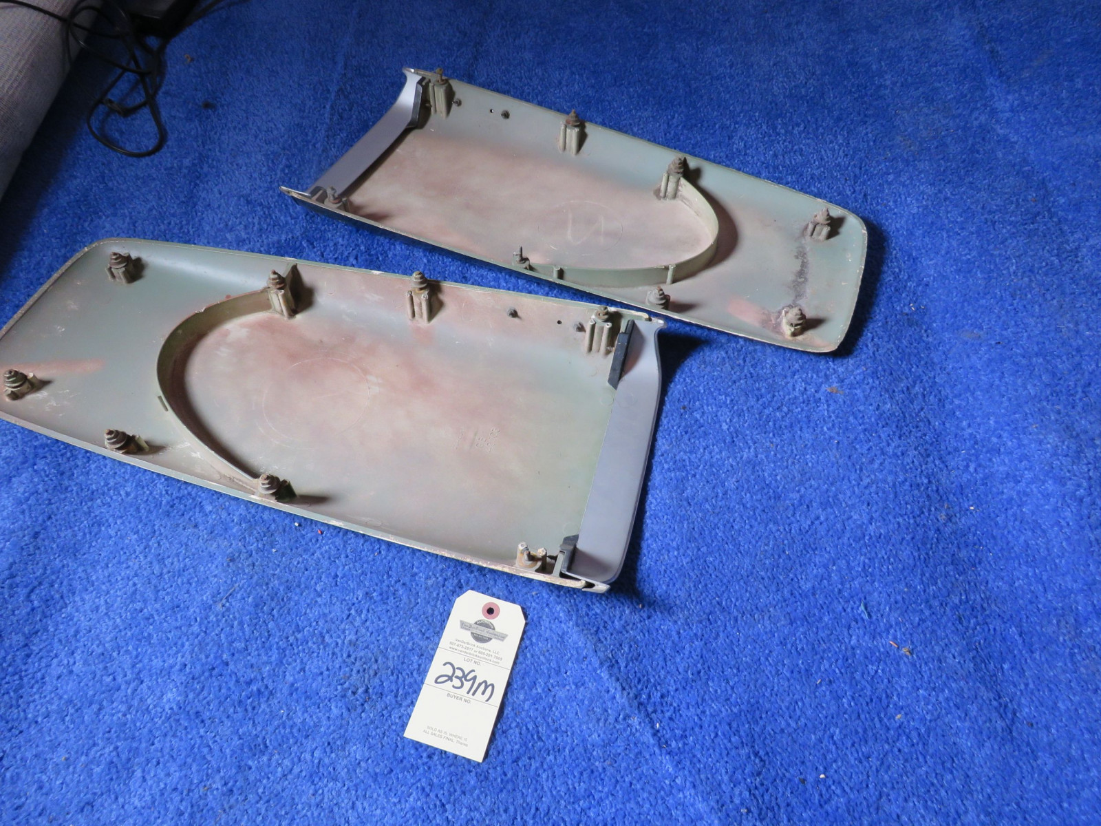 Original MOPAR 1969-72 A/B Body Twin Hood Scoops with 383 Emblems - Image 2