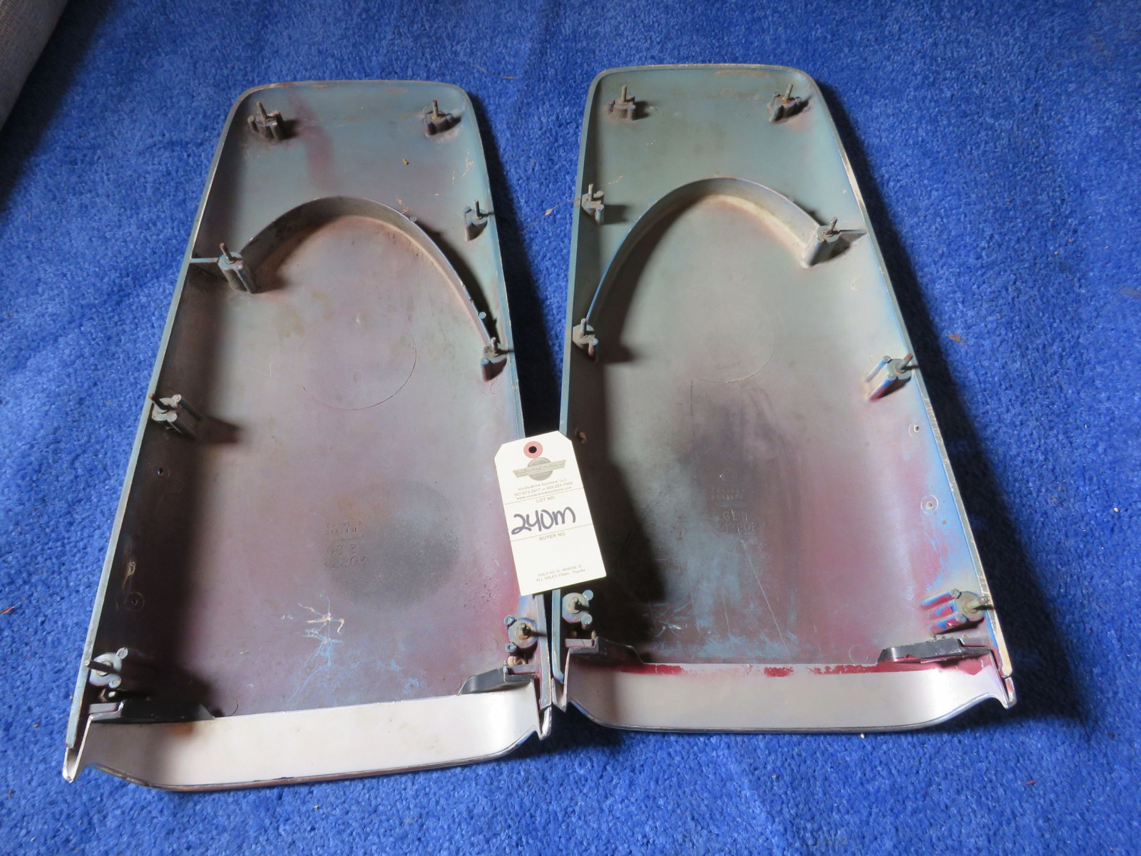 Original MOPAR 1969-72 A/B Body Twin Hood Scoops with 340 Emblems - Image 2