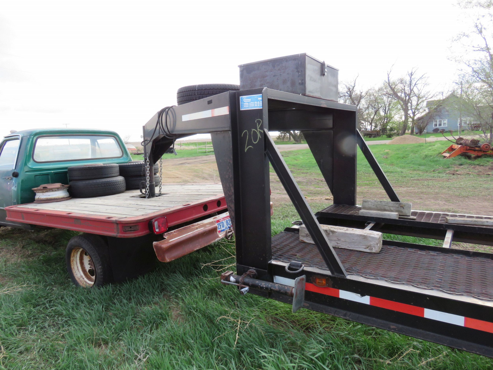 Dodge Club cab Pickup with Flatbed - Image 3
