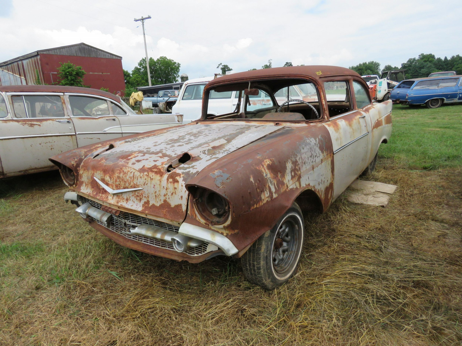 1957 2Dr Sedan Rolling Body for Rod or Restore - Image 1