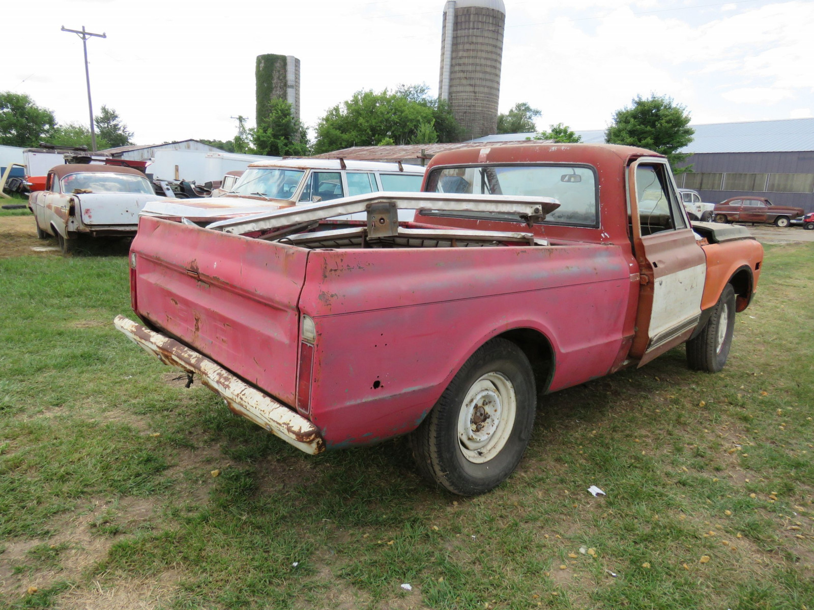 Chevrolet Pickup for Restore - Image 4