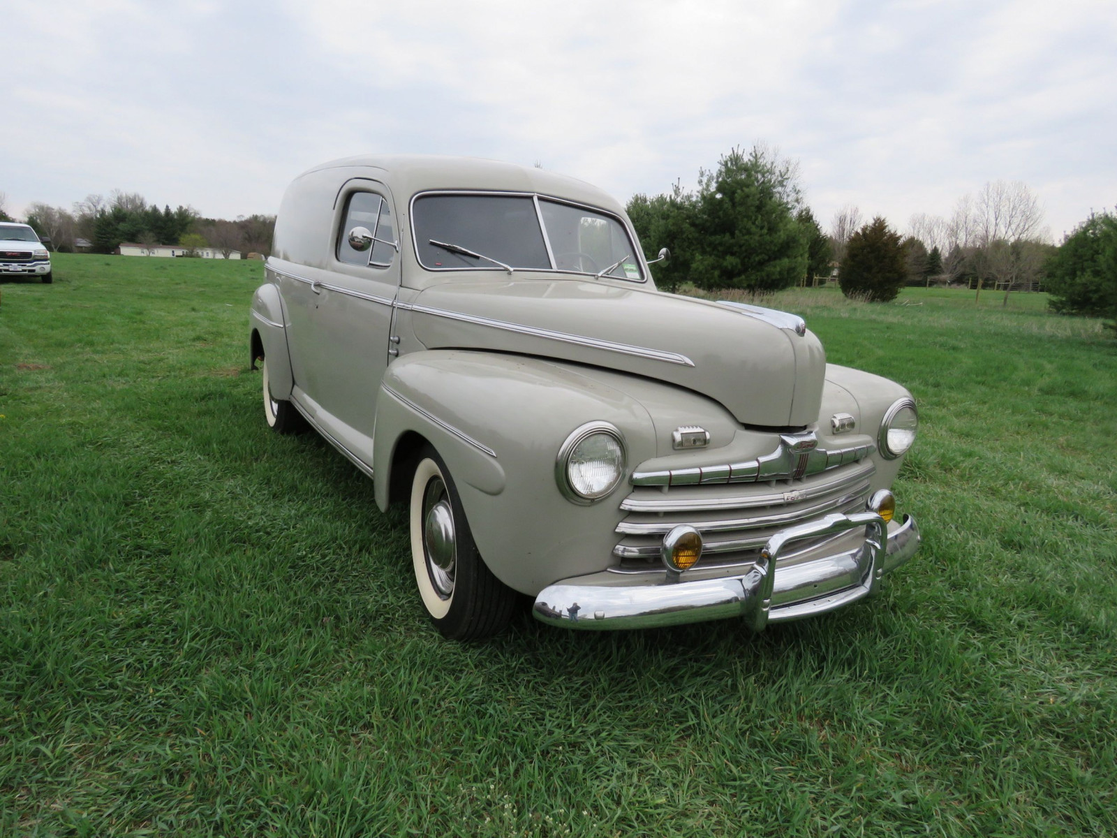 1946 Ford Sedan Delivery - Image 1