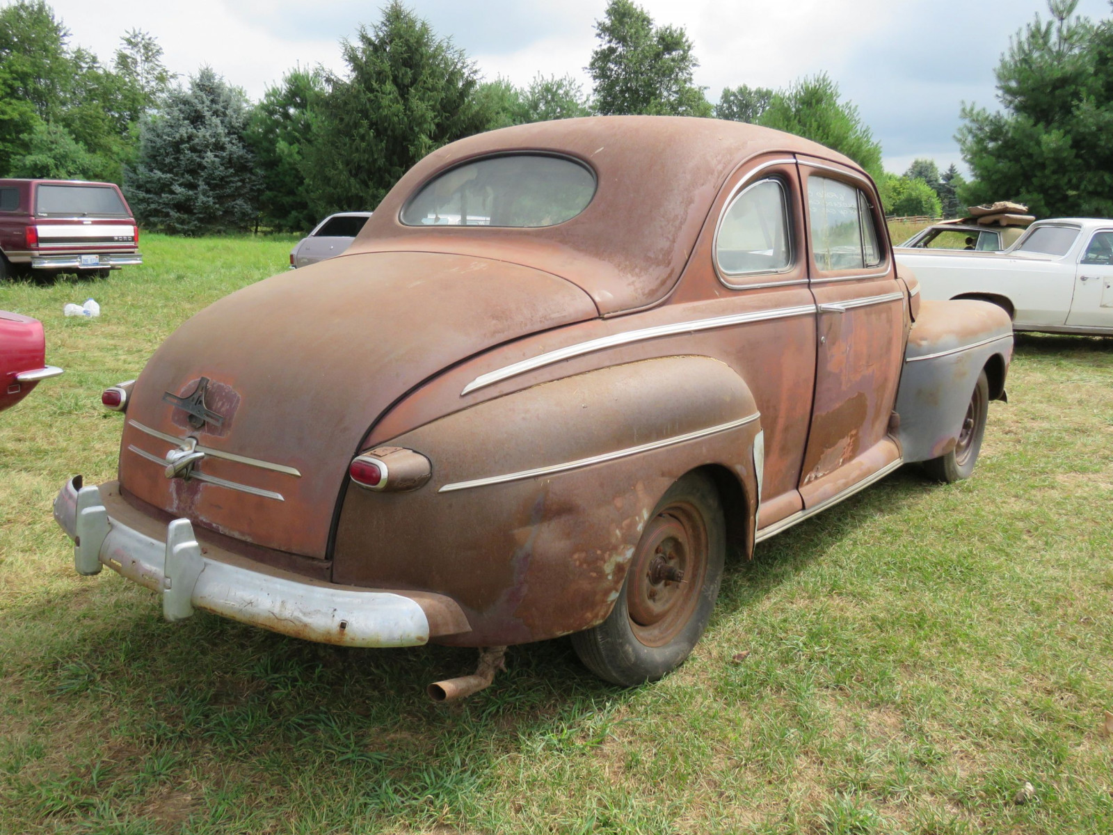 1946 Ford Super Deluxe Coupe Ford for Rod or Restore - Image 4