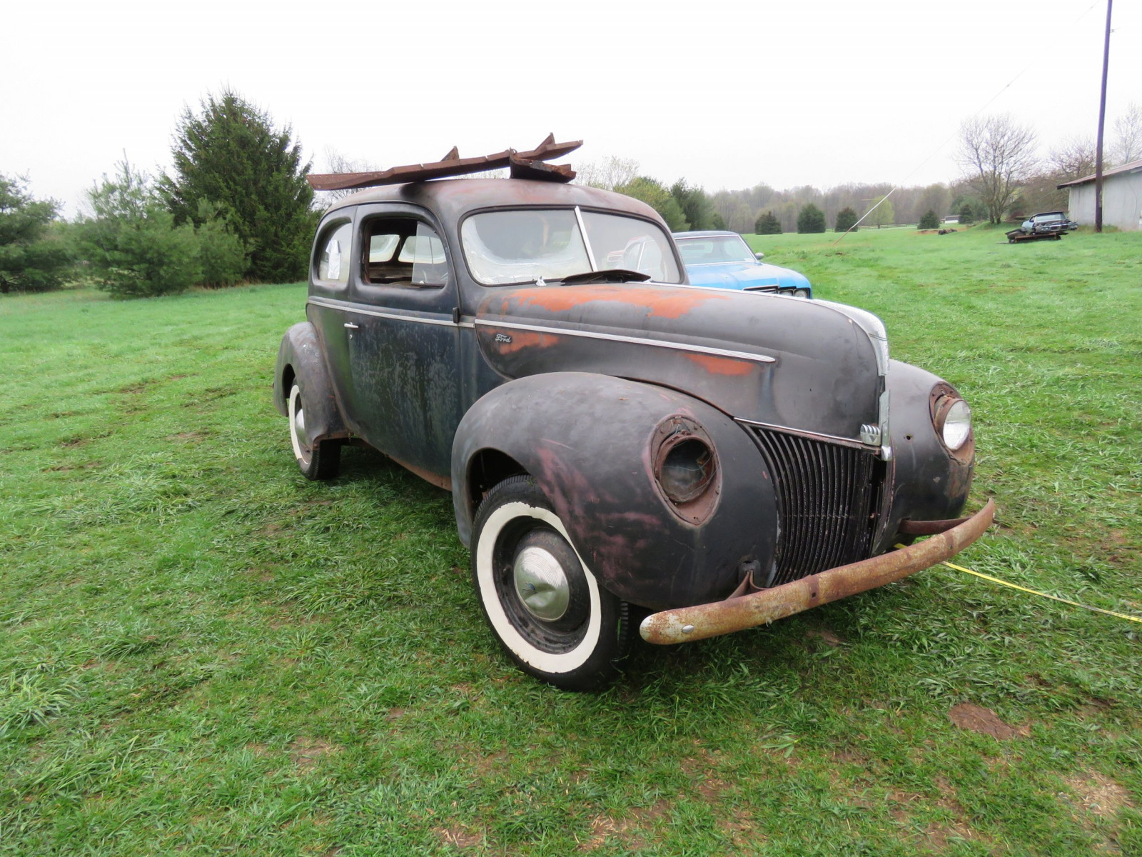 1940 Ford 2dr Sedan for Rod or Restore - Image 3