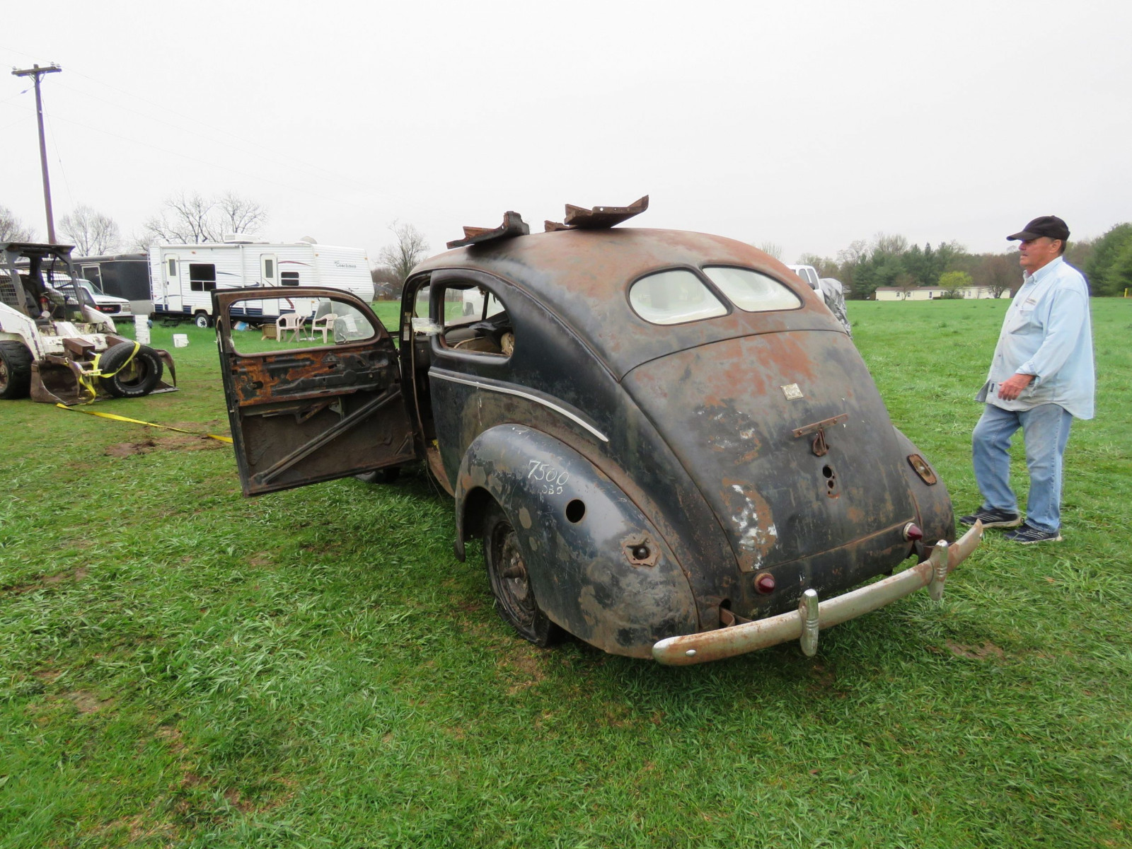 1940 Ford 2dr Sedan for Rod or Restore - Image 6